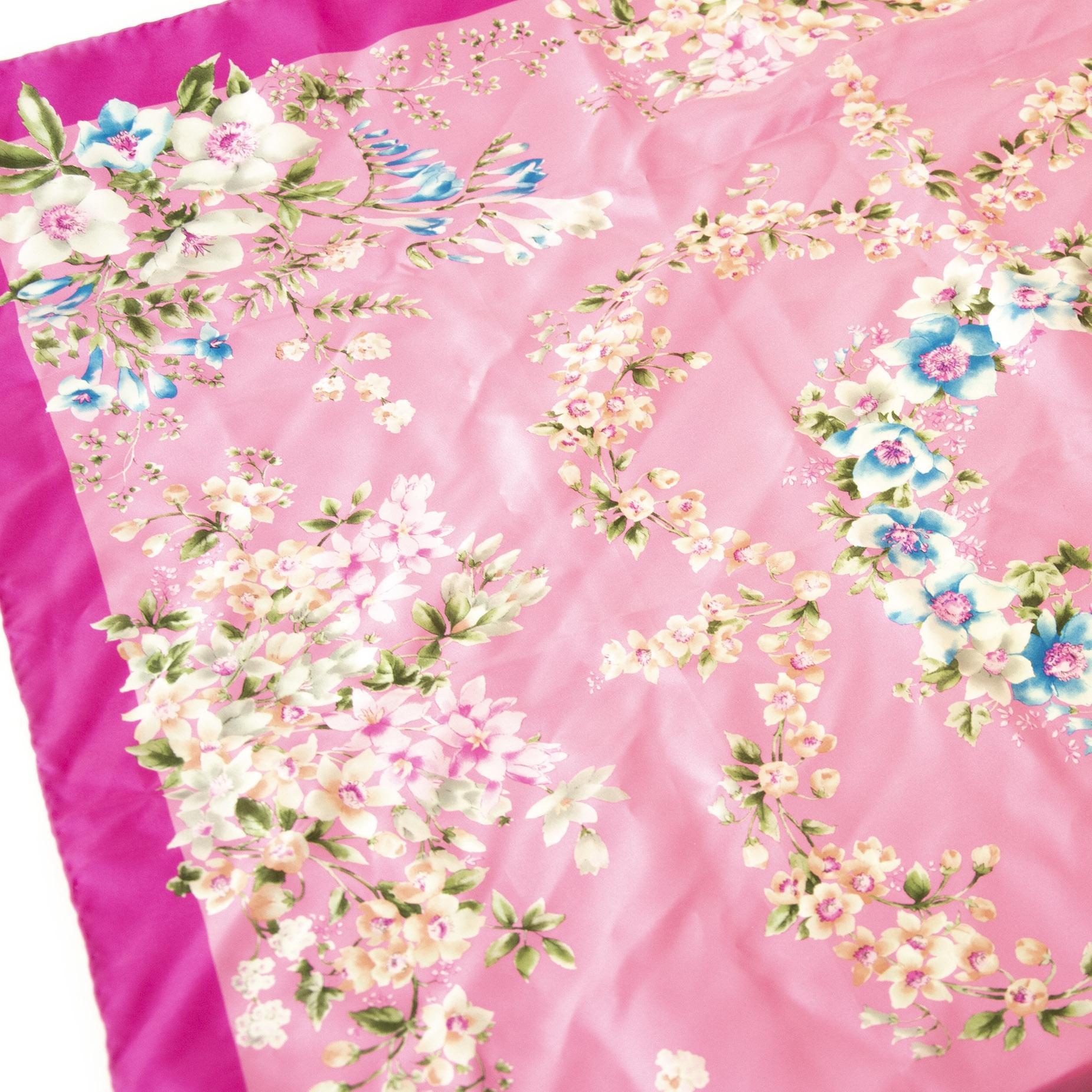 Authentieke Tweedehands Valentino Silk Flower Scarf Pink juiste prijs veilig online shoppen luxe merken webshop winkelen Antwerpen België mode fashion