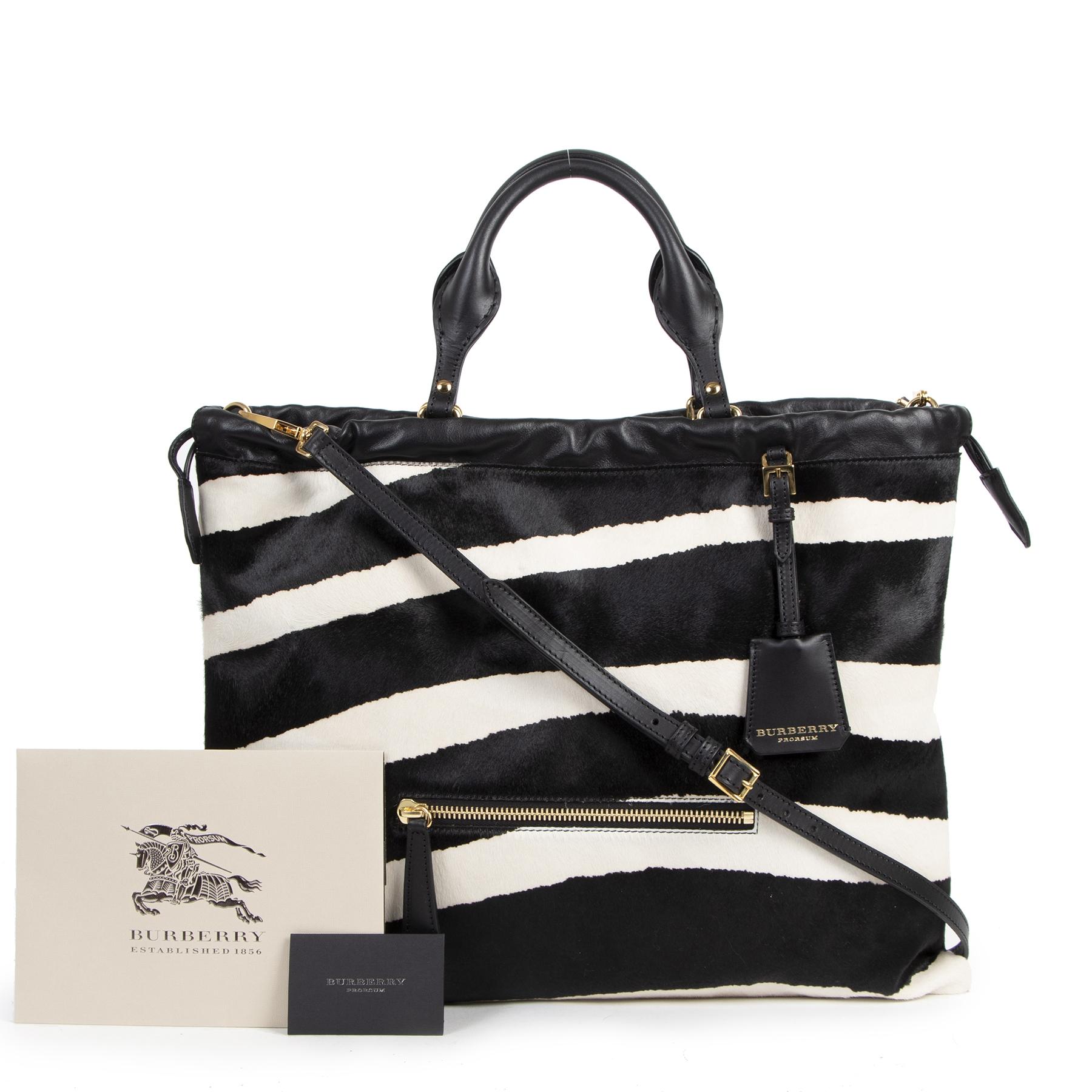 Koop authentieke tweedehands Burberry tassen met de juiste prijs bij LabelLOV.