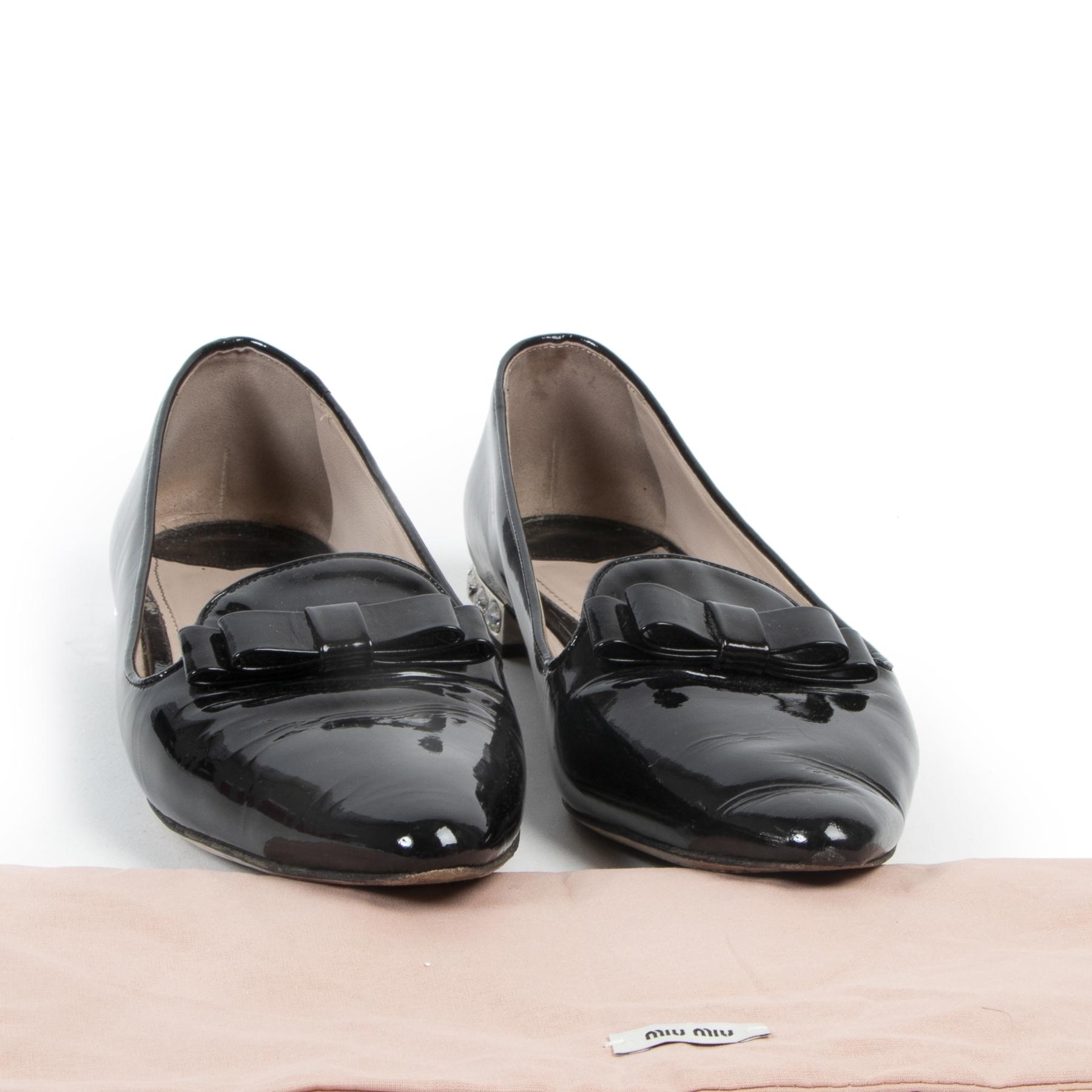 Miu Miu Patent Point Toe Flats