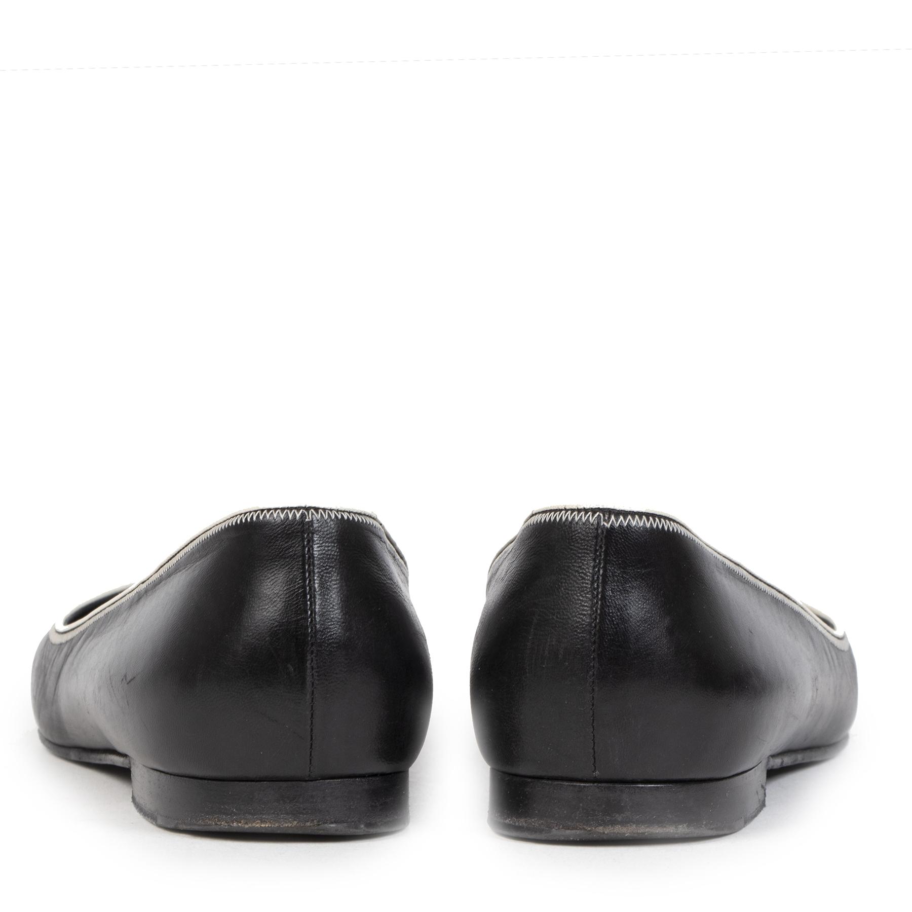 Authentieke Tweedehands Chanel Black & White Trim Leather Ballerina Flats - Size 39,5 juiste prijs veilig online shoppen luxe merken webshop winkelen Antwerpen België