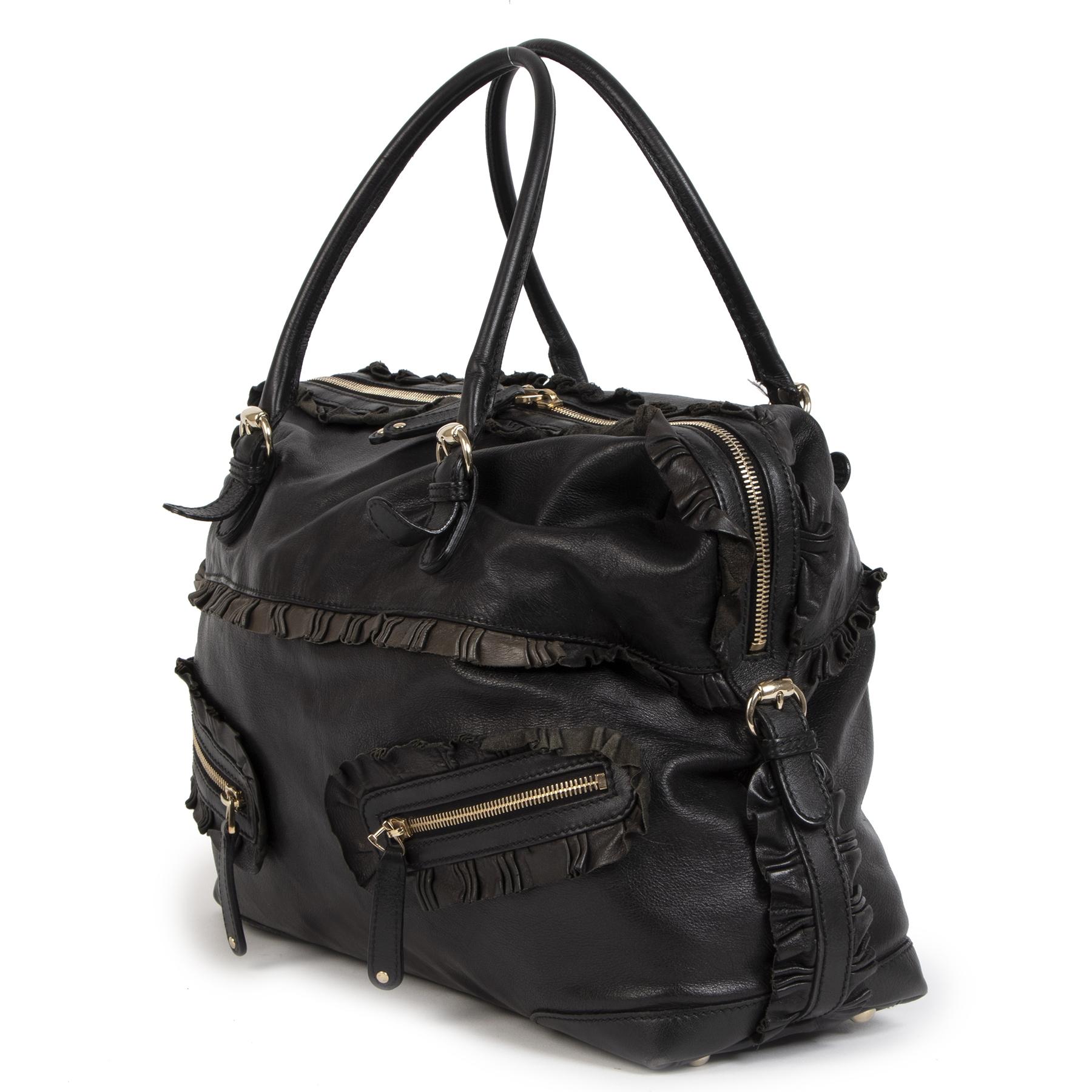 Authentieke Gucci Black Shoulder Bag tweedehands aan de juiste prijs veilig online webshop LabelLOV luxe merken winkelen LabelLOV Antwerpen België