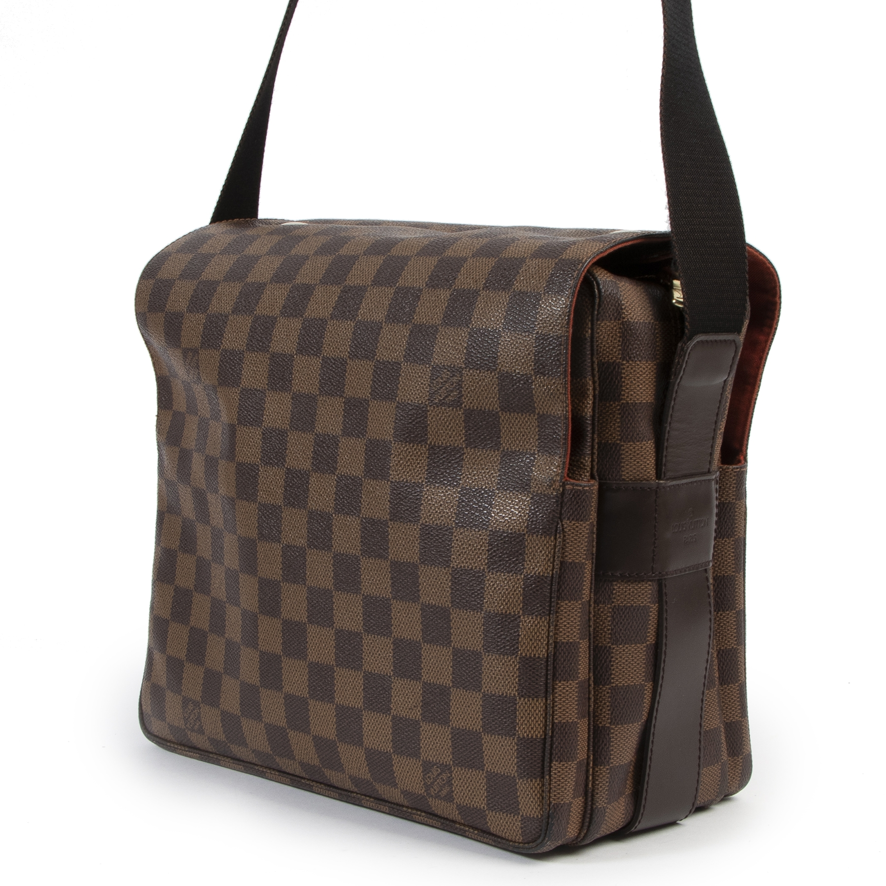 100% Authentic Louis Vuitton Damier Ebene Naviglio Bag at the right price online at Labellov