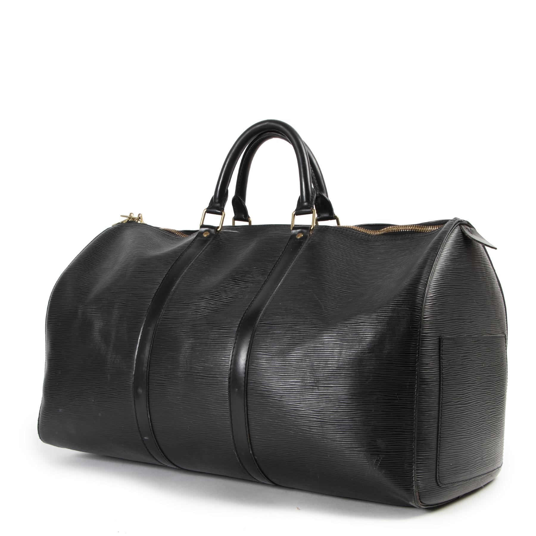 Authentieke Tweedehands Louis Vuitton Black Epi Leather Keepall 55 Travel Bag juiste prijs veilig online shoppen luxe merken webshop winkelen Antwerpen België mode fashion