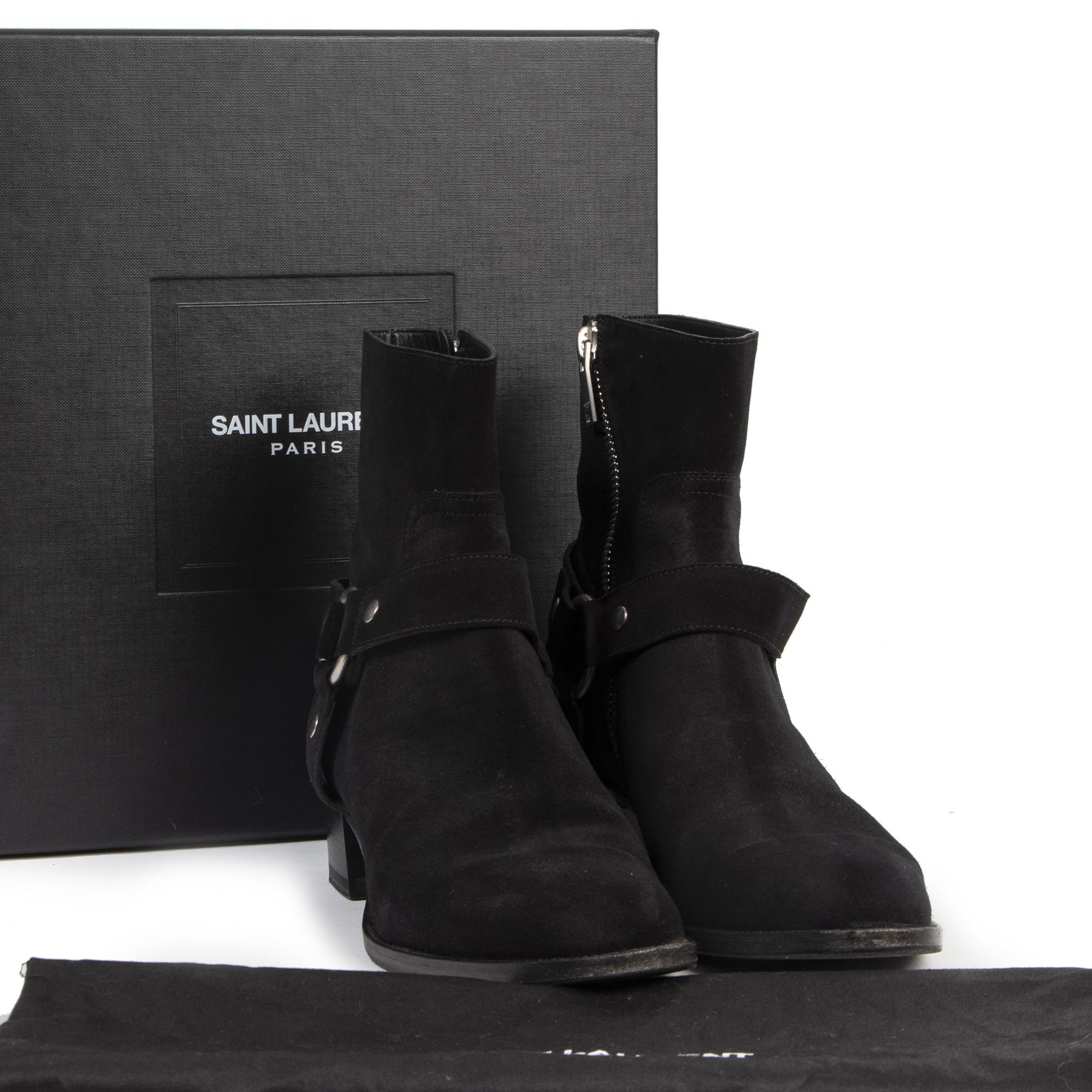 Pour le meilleur prix chez Saint Laurent Black Suede Western Booties - size 41