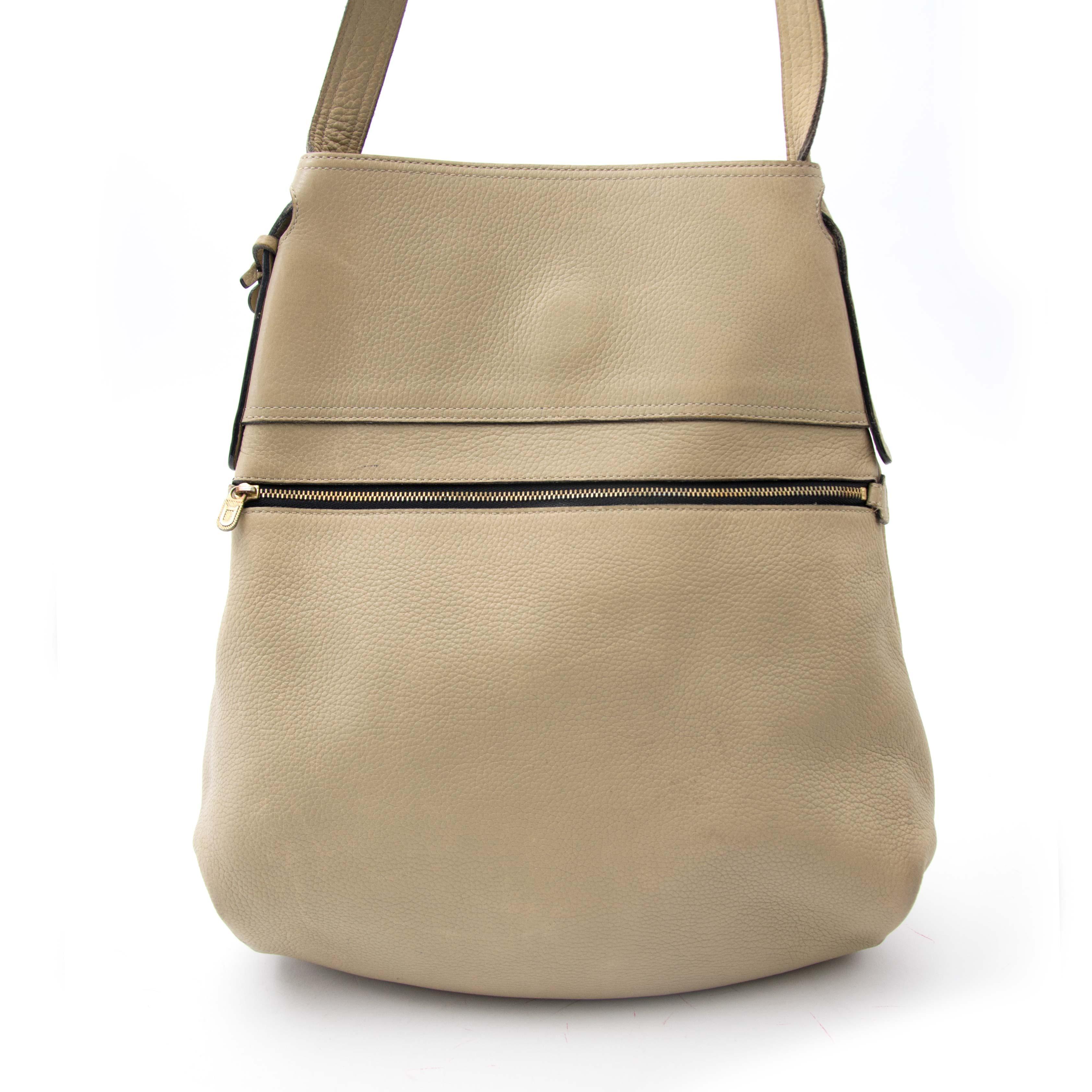koop online aan de best prijs Delvaux Sand Faust Bag