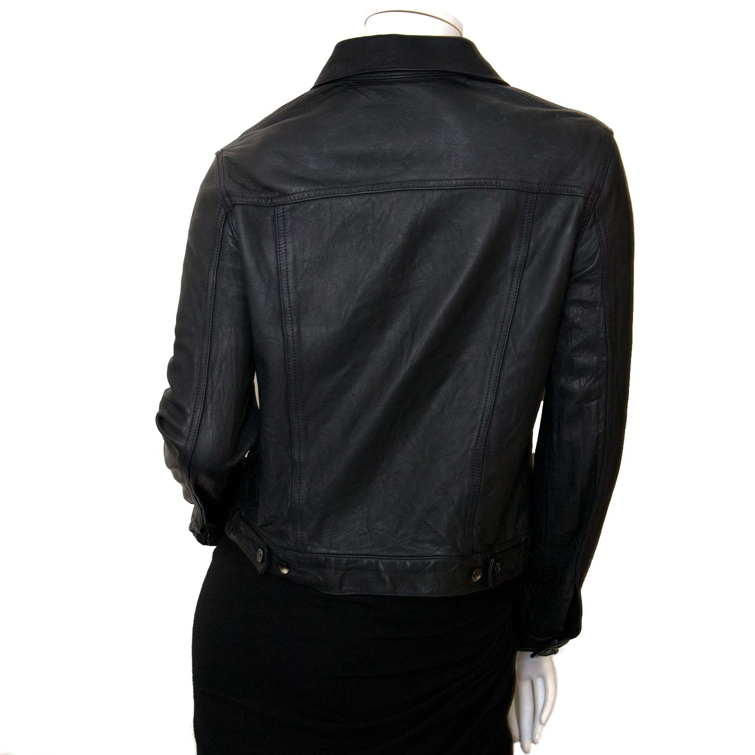 koop The Row Black Coltra Bonded Leather Jacket bij labellov en betaal veilig