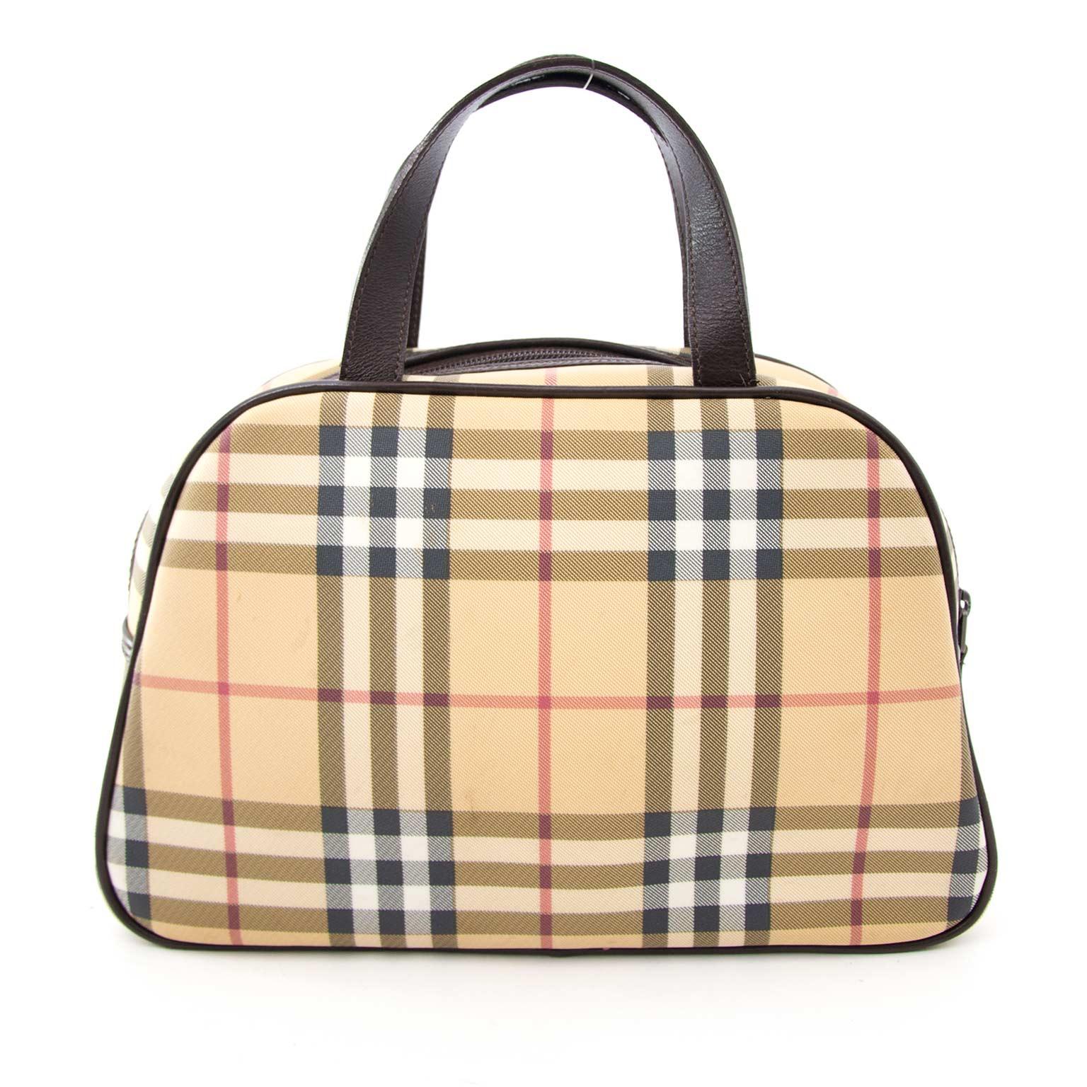 Koop en verkoop uw authentieke designer Burberry bag aan de beste prijs.