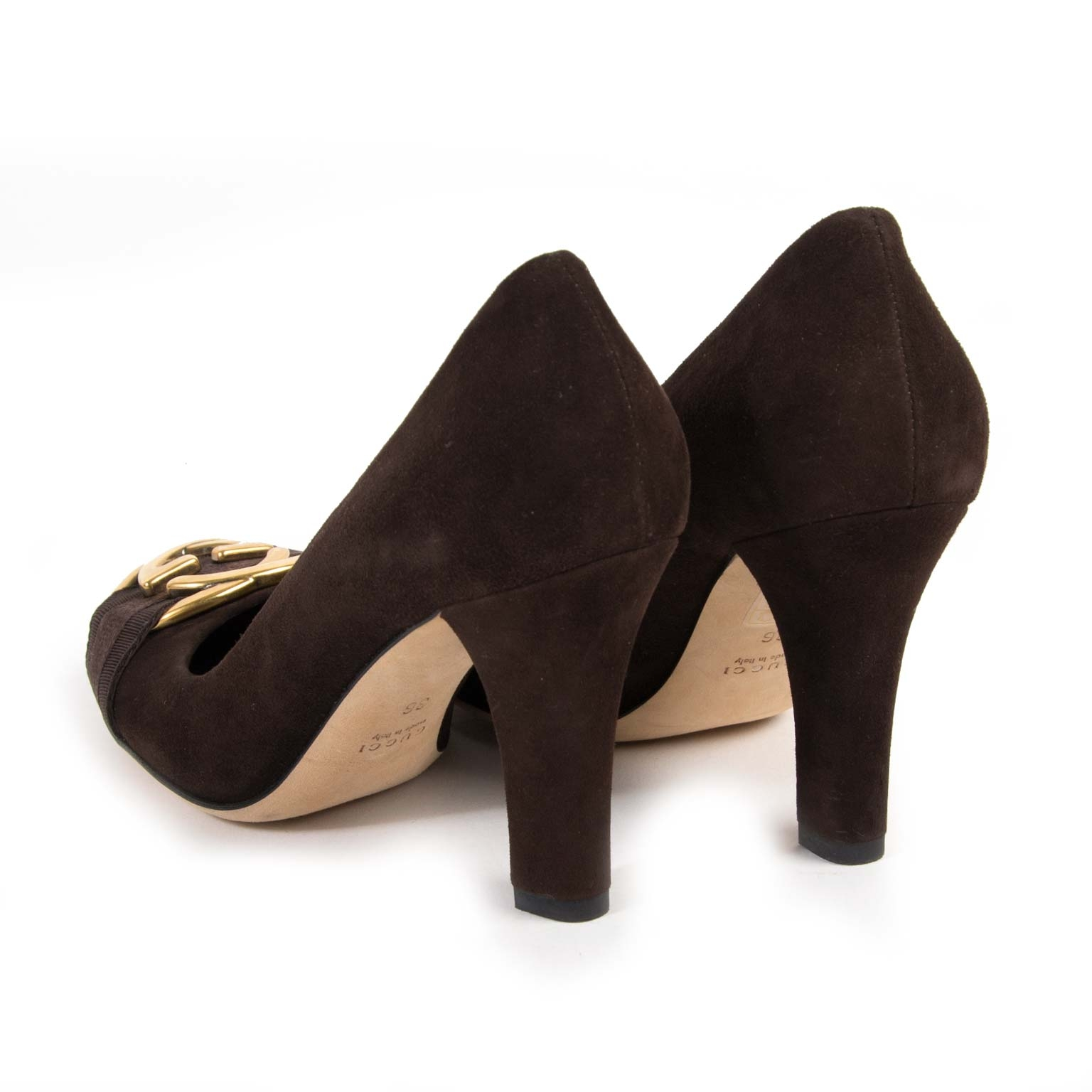 ... Gucci Brown Suede Interlocking G pumps now for sale at labellov vintage  fashion webshop Belgium f505595842c