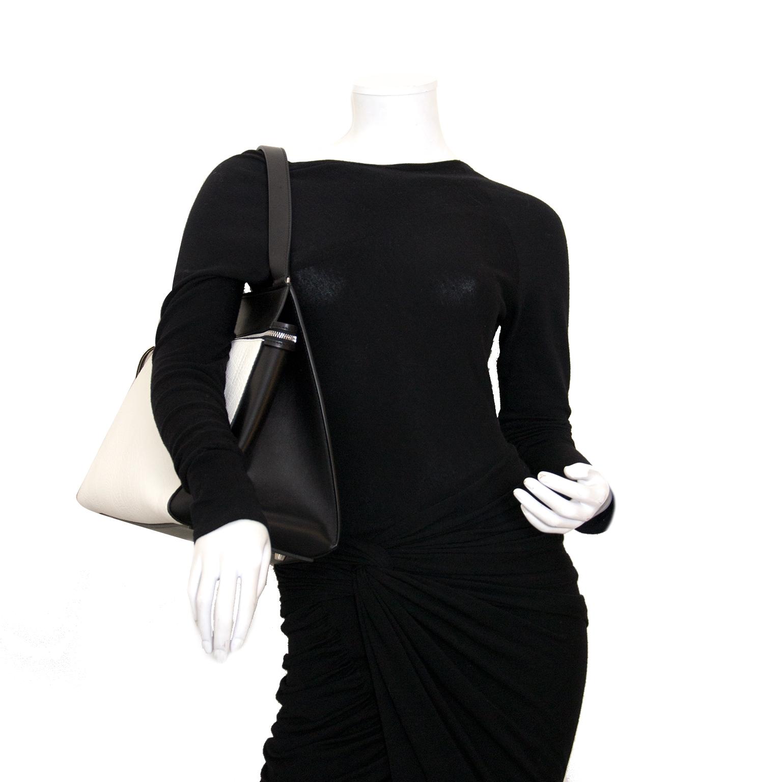 Koop en verkoop uw authentieke designer handtassen van Céline aan de beste prijs