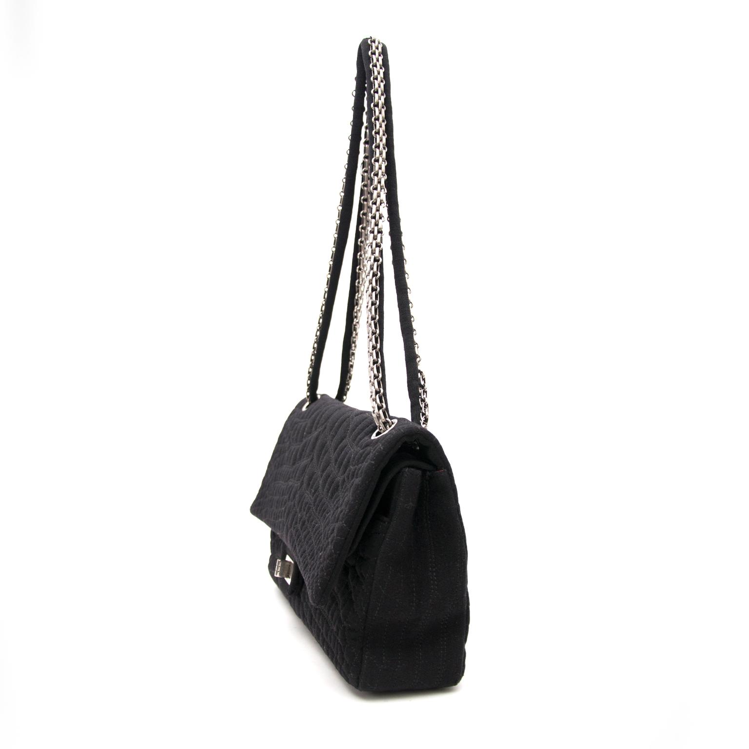 koop veilig online aan de beste prijs jou tweedehands Chanel Large 2.55 Black Fabric Bag