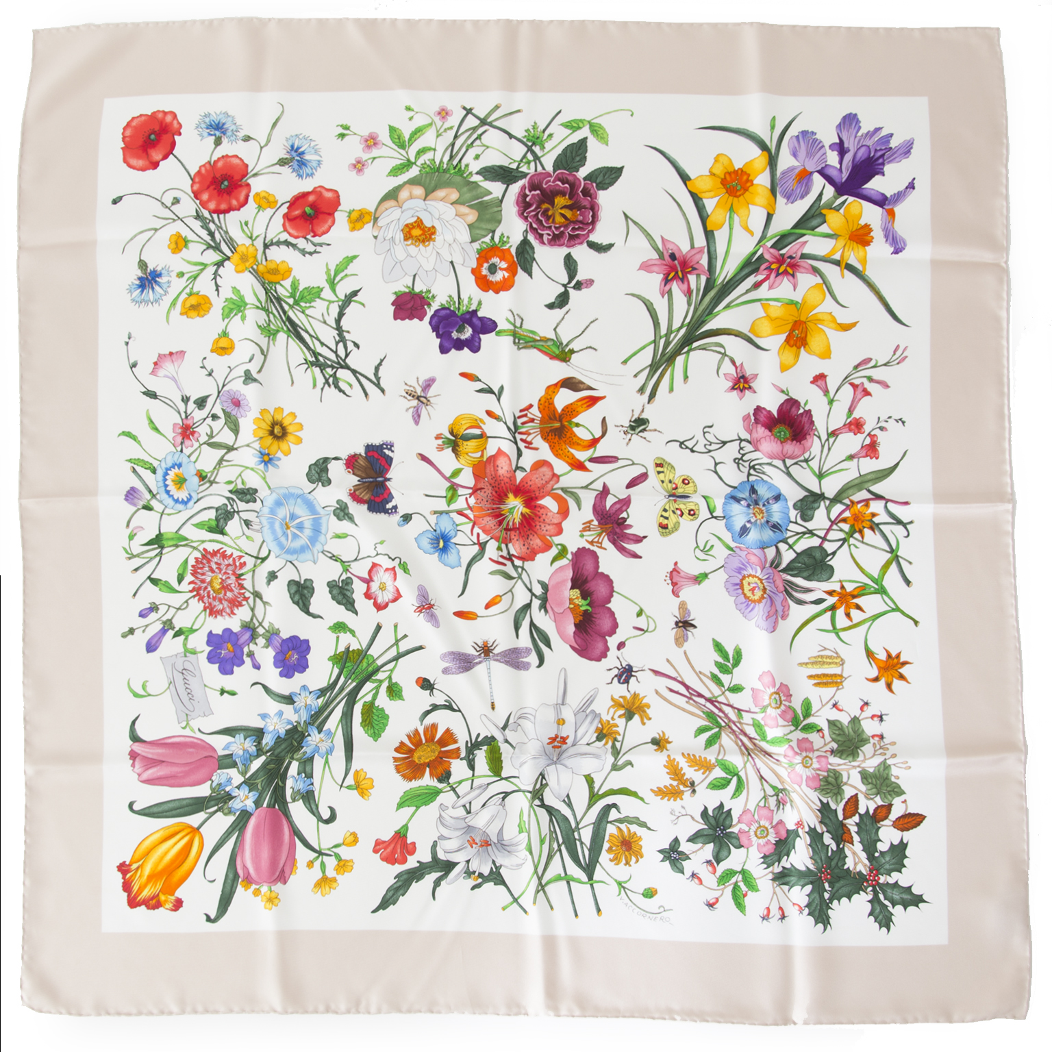 Buy authentic Gucci scarf at the right price at LabelLOV vintage webshop.