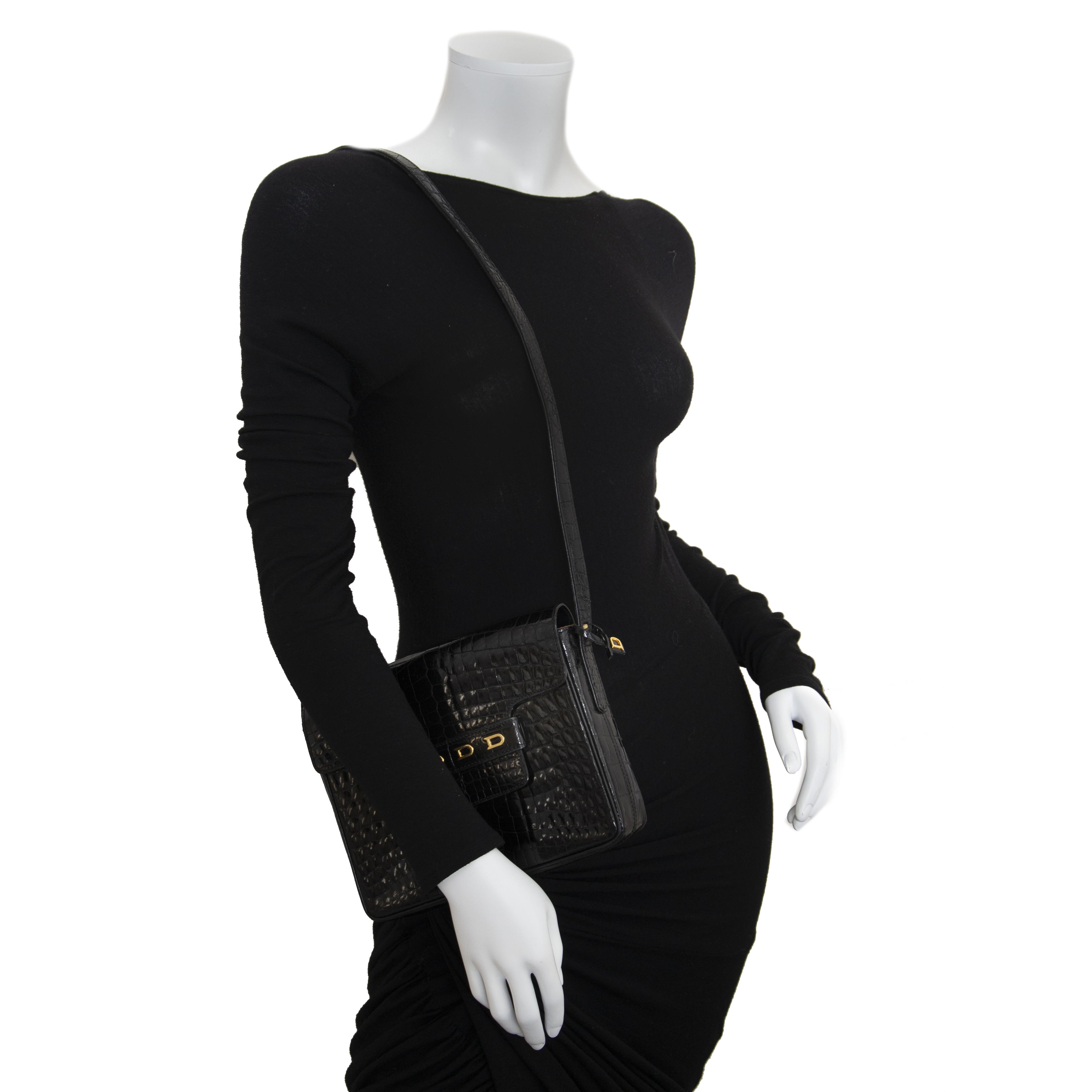 6307723ab703 ... Delvaux Black Croco D Cross Body Bag en ligne chez labellov.com pour le  meilleur