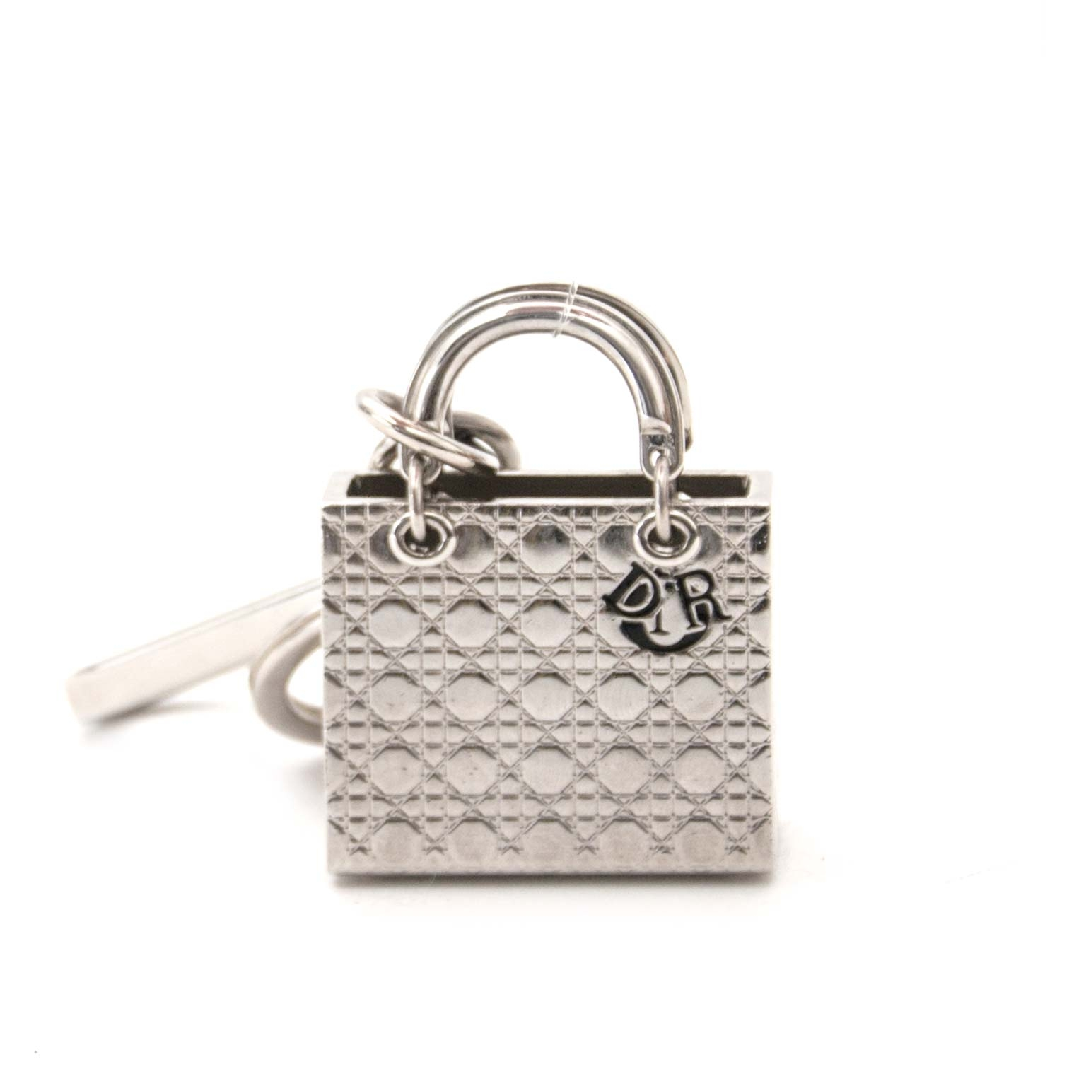 Dior Silver Lady Dior Bag Charm Buy authentic designer Dior secondhand keichain charm at Labellov at the best price. Safe and secure shopping. Koop tweedehands authentieke Dior sleutelhanger bij designer webwinkel labellov.