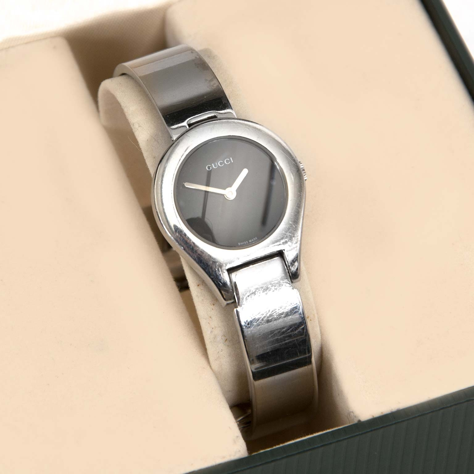 Gucci Silver 6700 L Series Watch  en vendre chez labellov anvers au meilleur prix