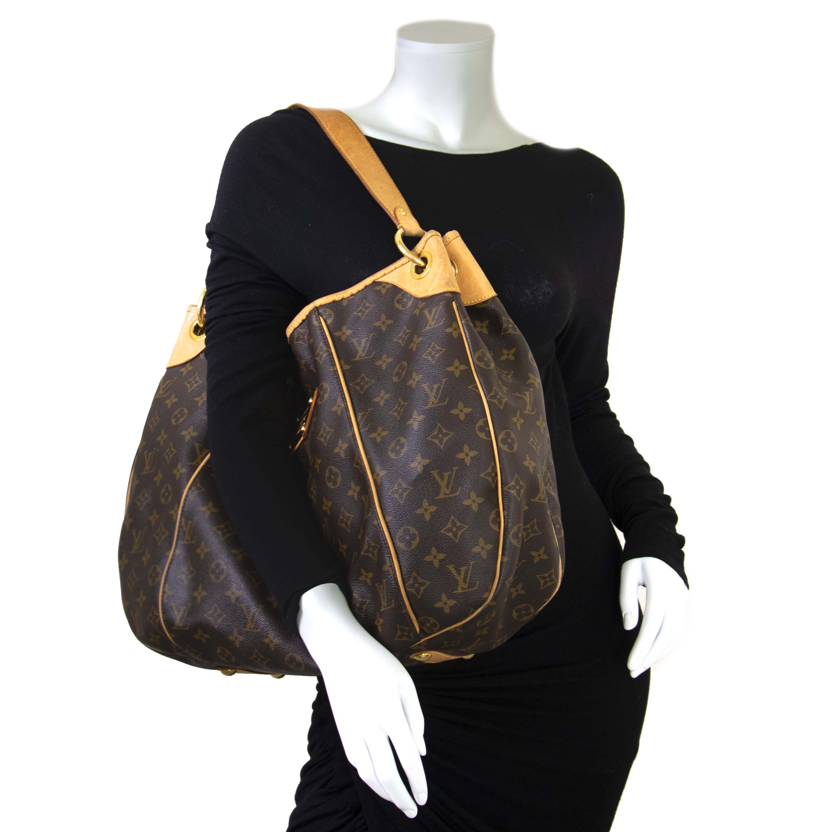 Louis Vuitton Monogram Canvas Galliera Shoulder Bag outfit online at Labellov