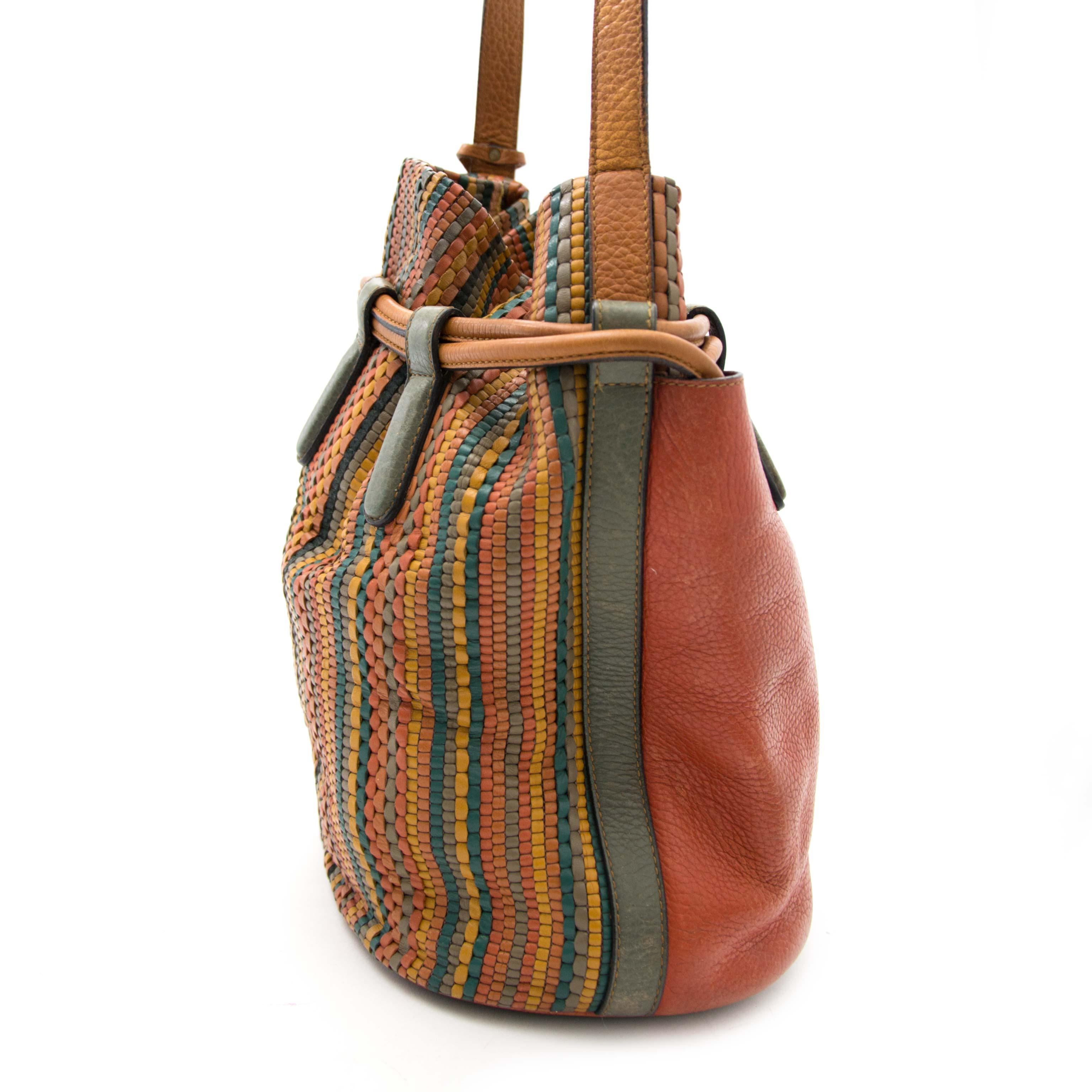 Koop op LabelLov tweedehands Delvaux bucket bag