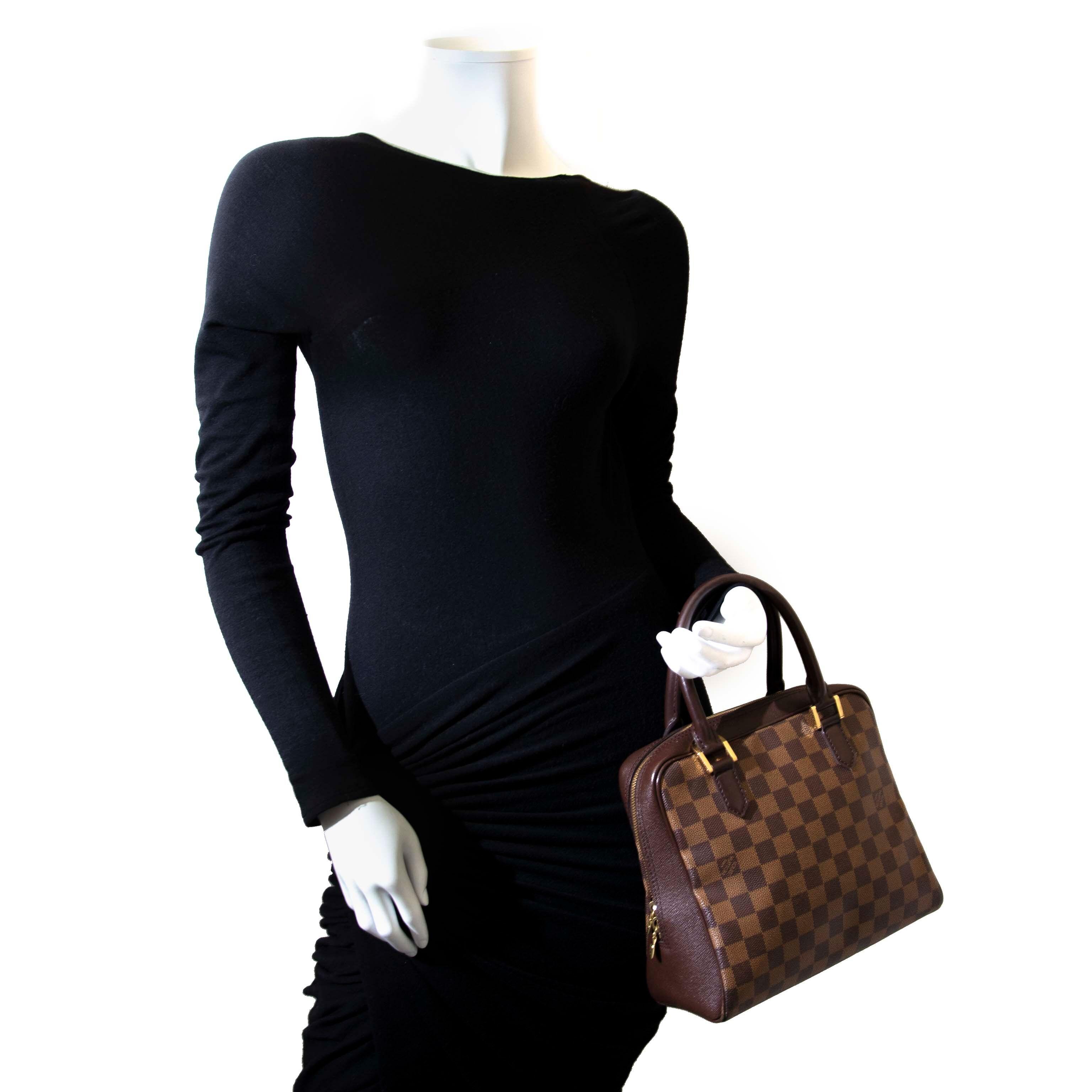 85085d8b02cb Louis Vuitton Damier Ebene Brera Koop veilig online tegen de beste prijs  tweedehands Louis Vuitton Damier Ebene Brera.