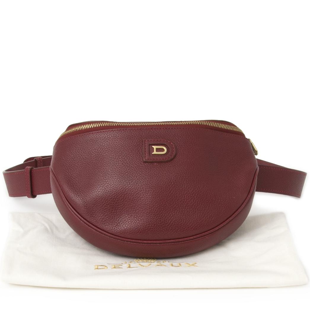 Vintage Delvaux Dark Red Belt Bag.  Best price like new. Acheter en linge pour le meilleur prix