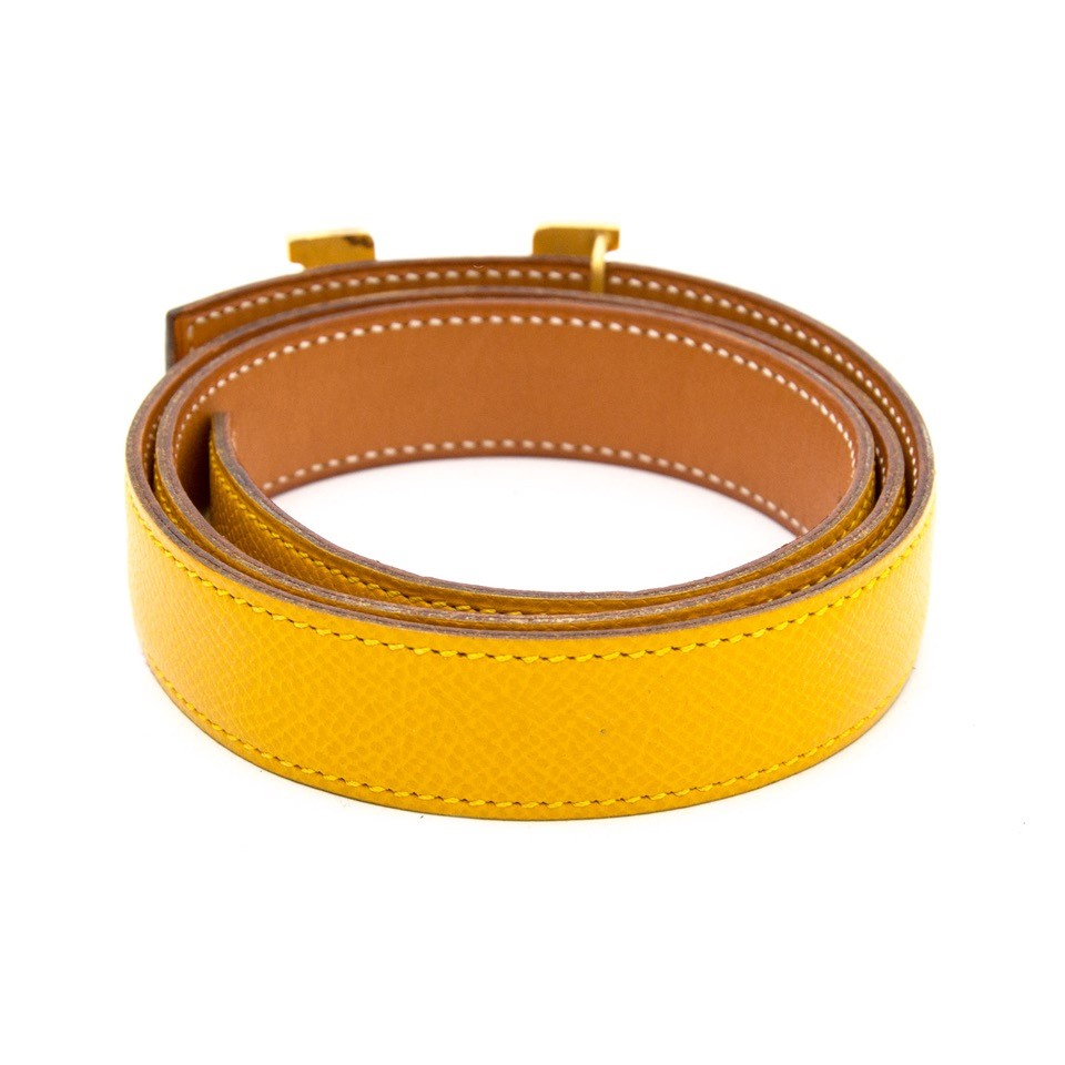 Vintage Hermès yellow belts for the best price at Labellov webshop. Safe and secure online shopping with 100% authenticity. Vintage Hermès jaune ceinture pour le meilleur prix.