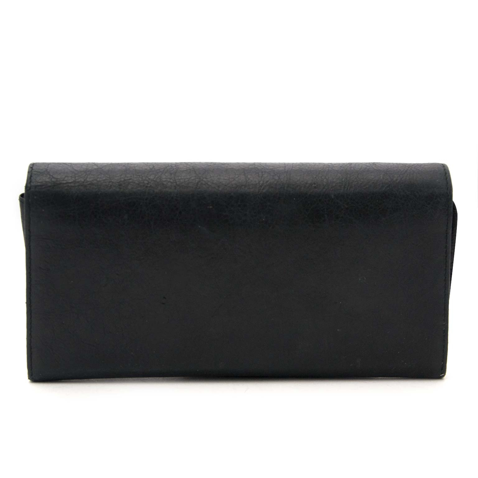 Balenciaga Black Giant Studded Leather Wallet  Buy authentic designer Balenciaga secondhand wallet at Labellov at the best price. Safe and secure shopping. Koop tweedehands authentieke Balenciaga portefeuille bij designer webwinkel labellov.