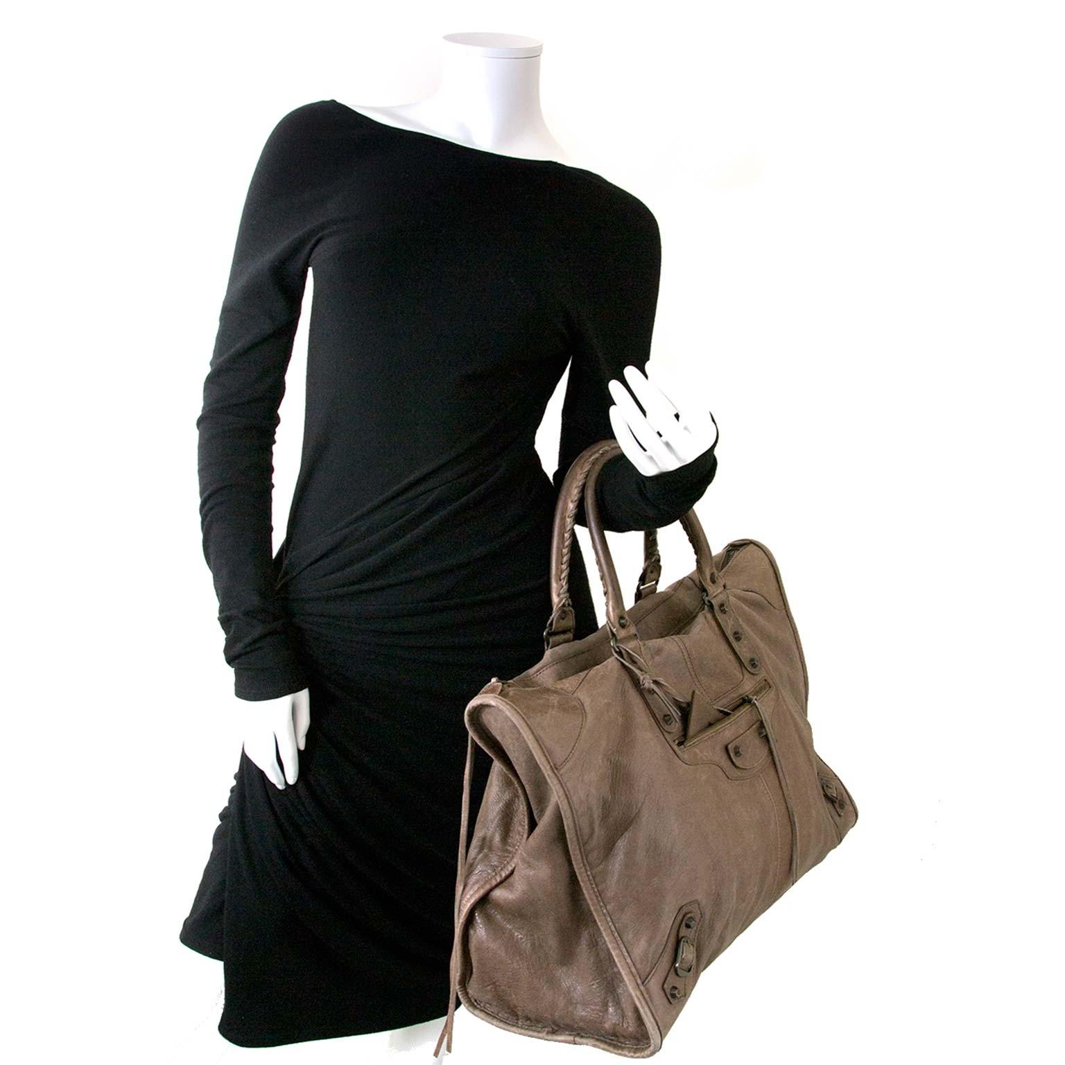 Balenciaga Weekender Seigle Agneau Leather Bag for sale online at Labellov