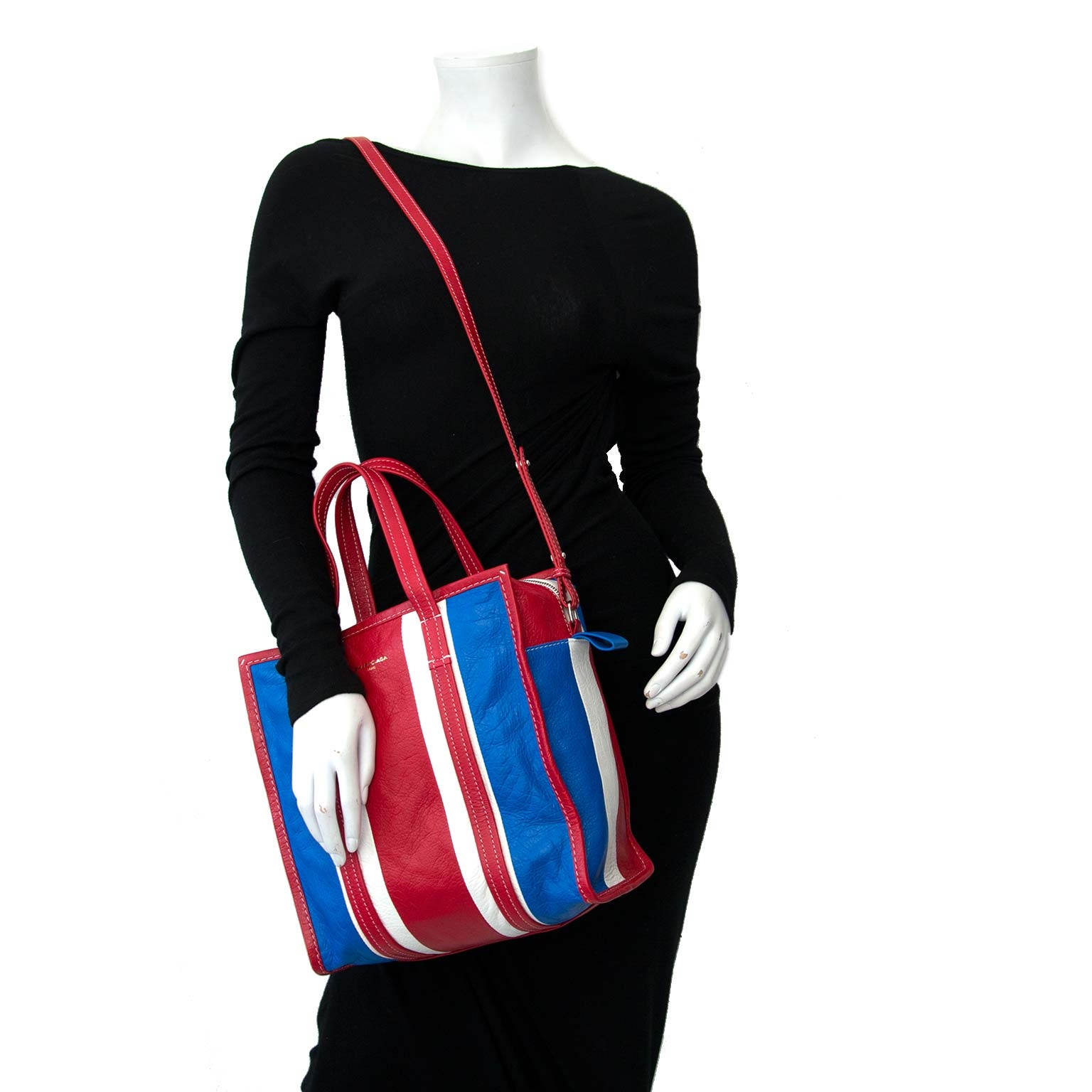 4108c4ebf1f7 ... Buy an authentic secondhand Balenciaga Small Shopper Bag at the right  price at LabelLOV vintage webshop