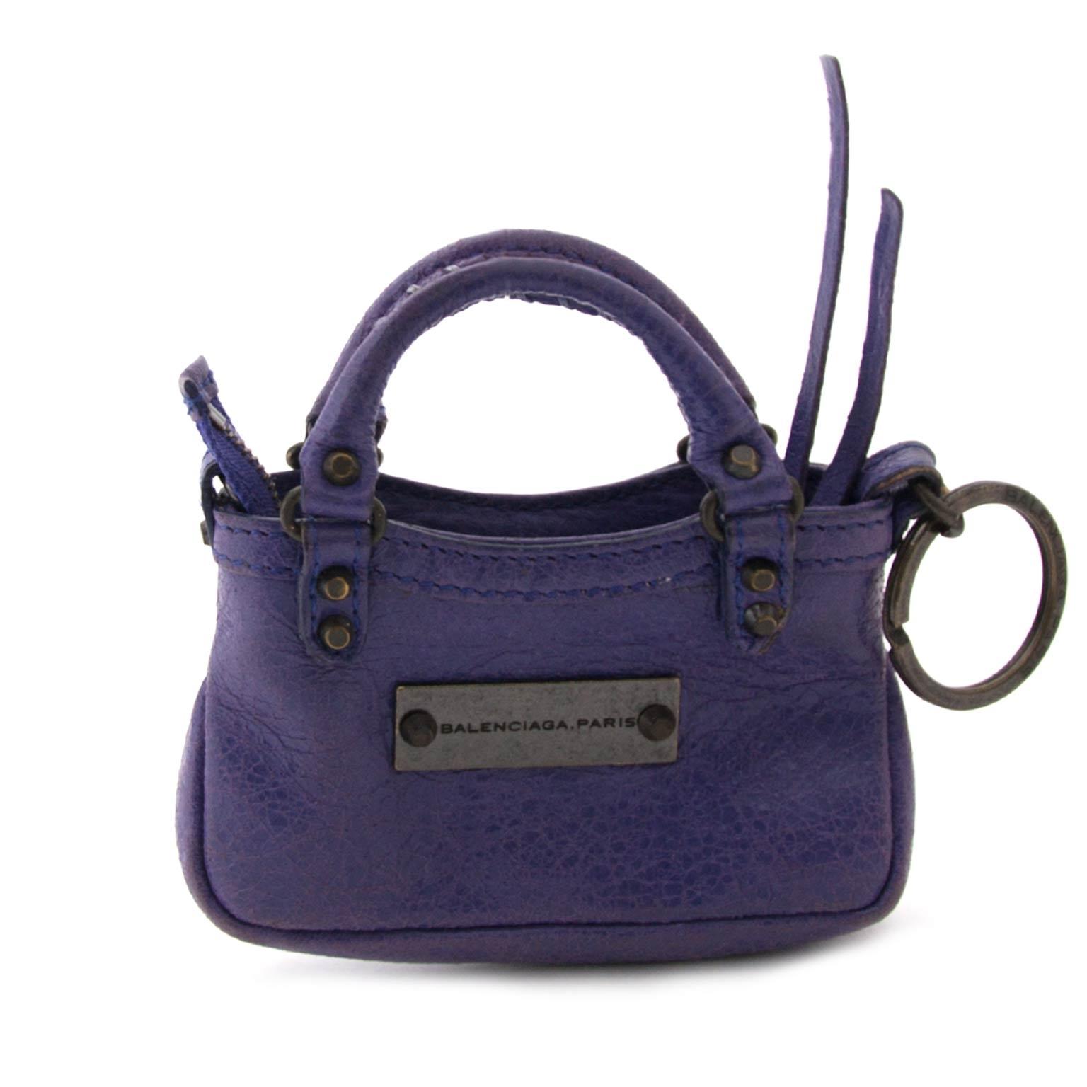 koop veilig online aan de beste prijs Balenciaga Mini First Bag Charm