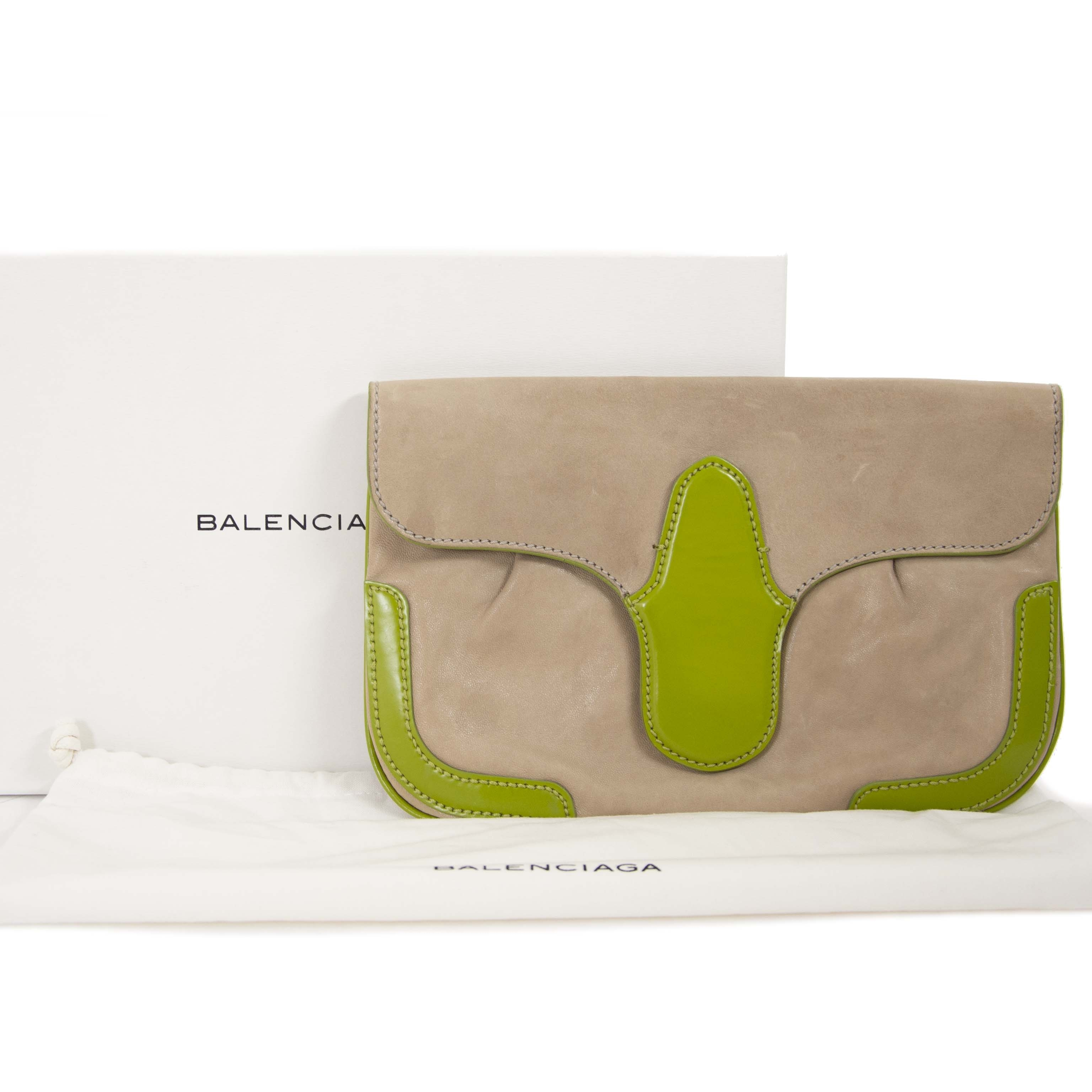 Balenciaga Beige And Green Leather Lune Clutch now for sale at labellov vintage fashion webshop belgium