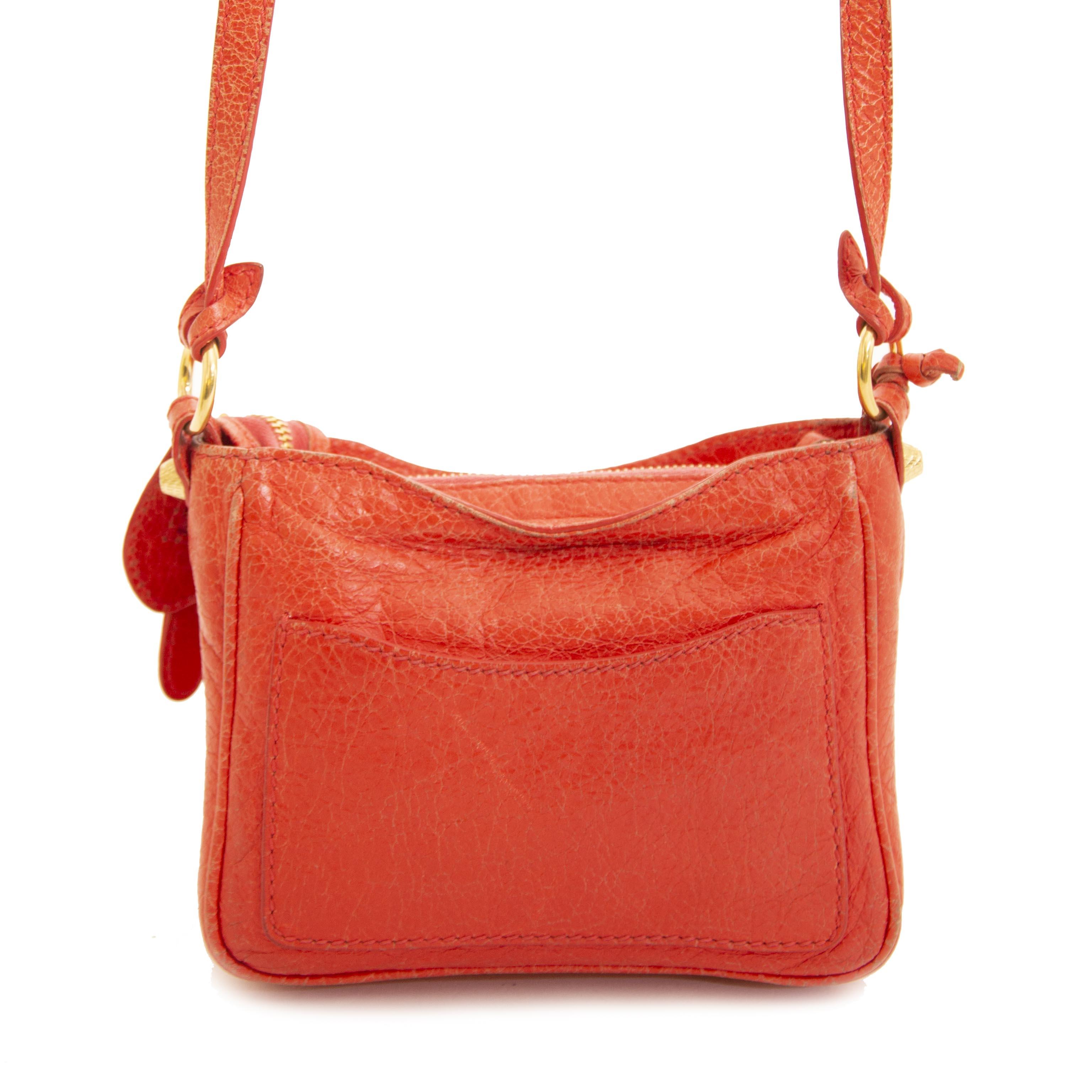 Authentieke tweedehands vintage Balenciaga Nano City Bag Coral bij online webshop LabelLOV