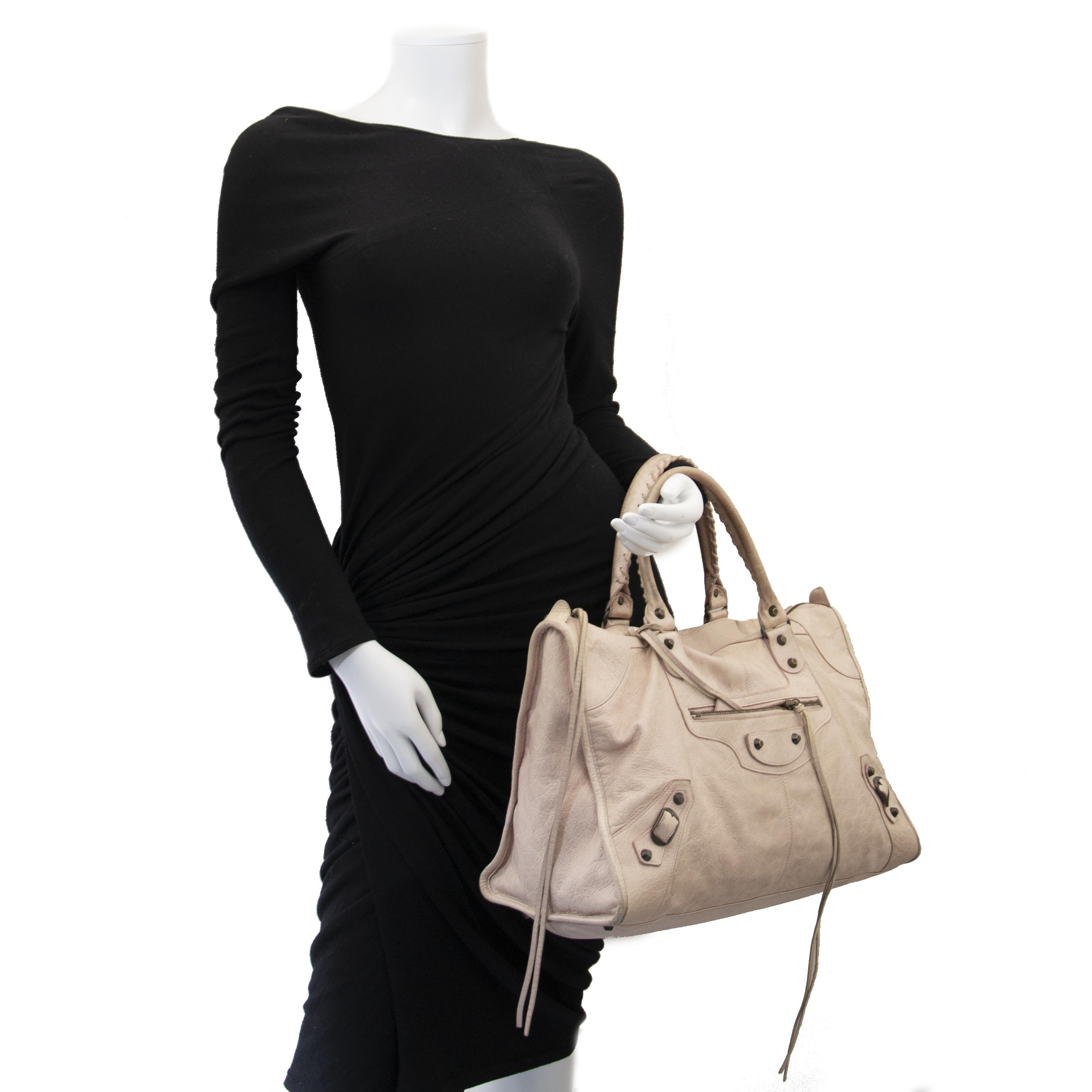 62ff846229d ... at Labellov Balenciaga Blush Pink Work Bag kopen en verkopen aan de  beste prijs bij Labellov