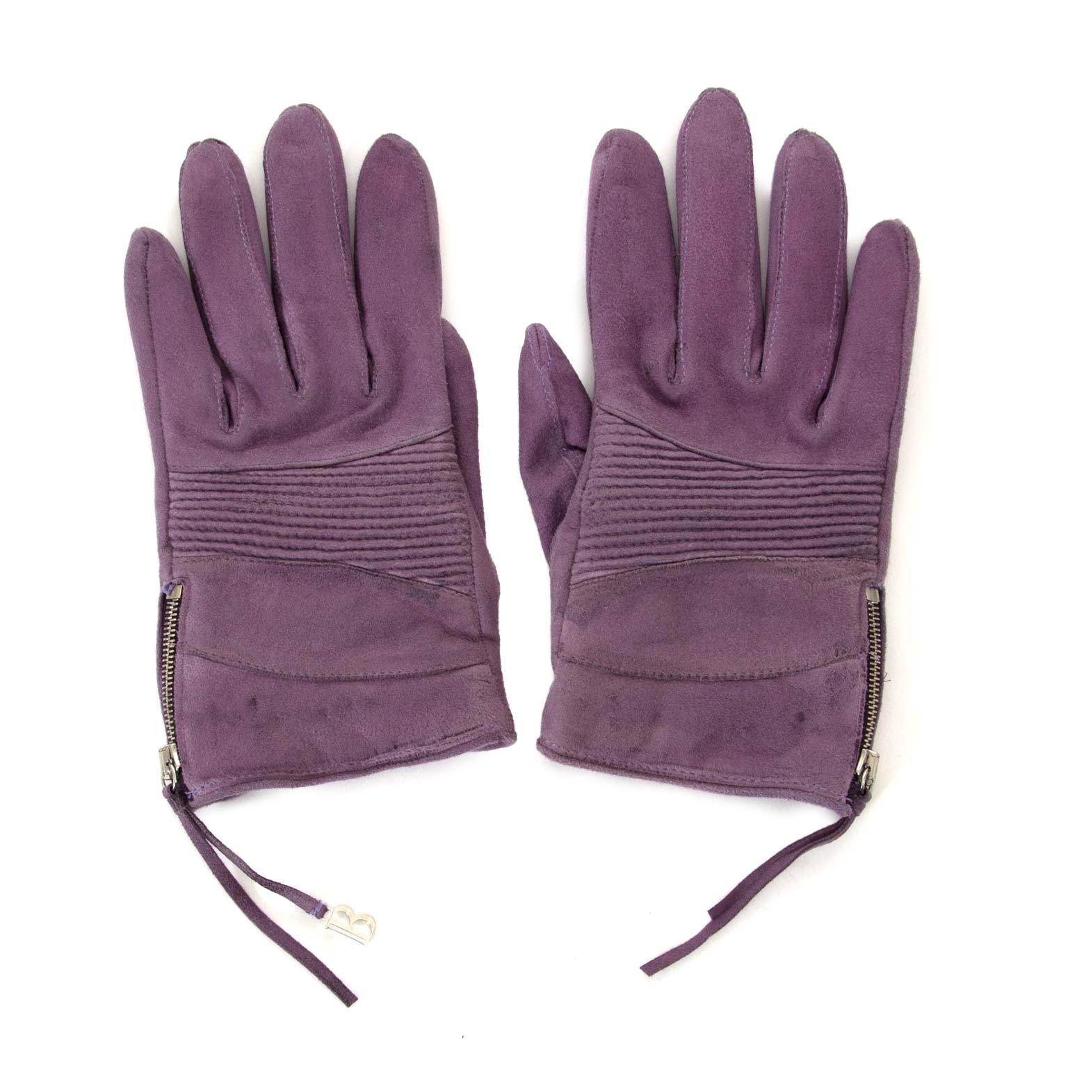 Looking for a pair of Balmain Purple Suede Nubuck Gloves for small hands?