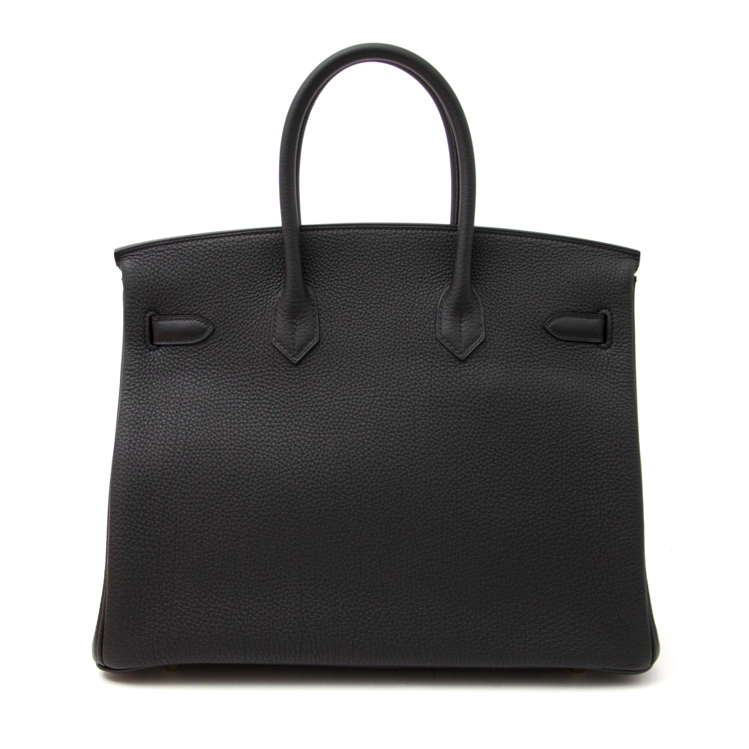Labellov sells this Hermès Birkin 35 Togo Noir GHW, worldwide shipping and safe - secure shopping. Labellov sells a lot of Hermès Birkin bags and other designer items.