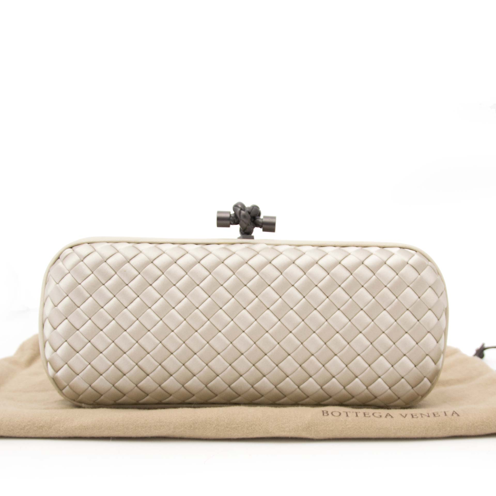 looking for a secondhand Bottega Veneta Satin Intreccio Impero Ayers Stretch Knot Grey Clutch