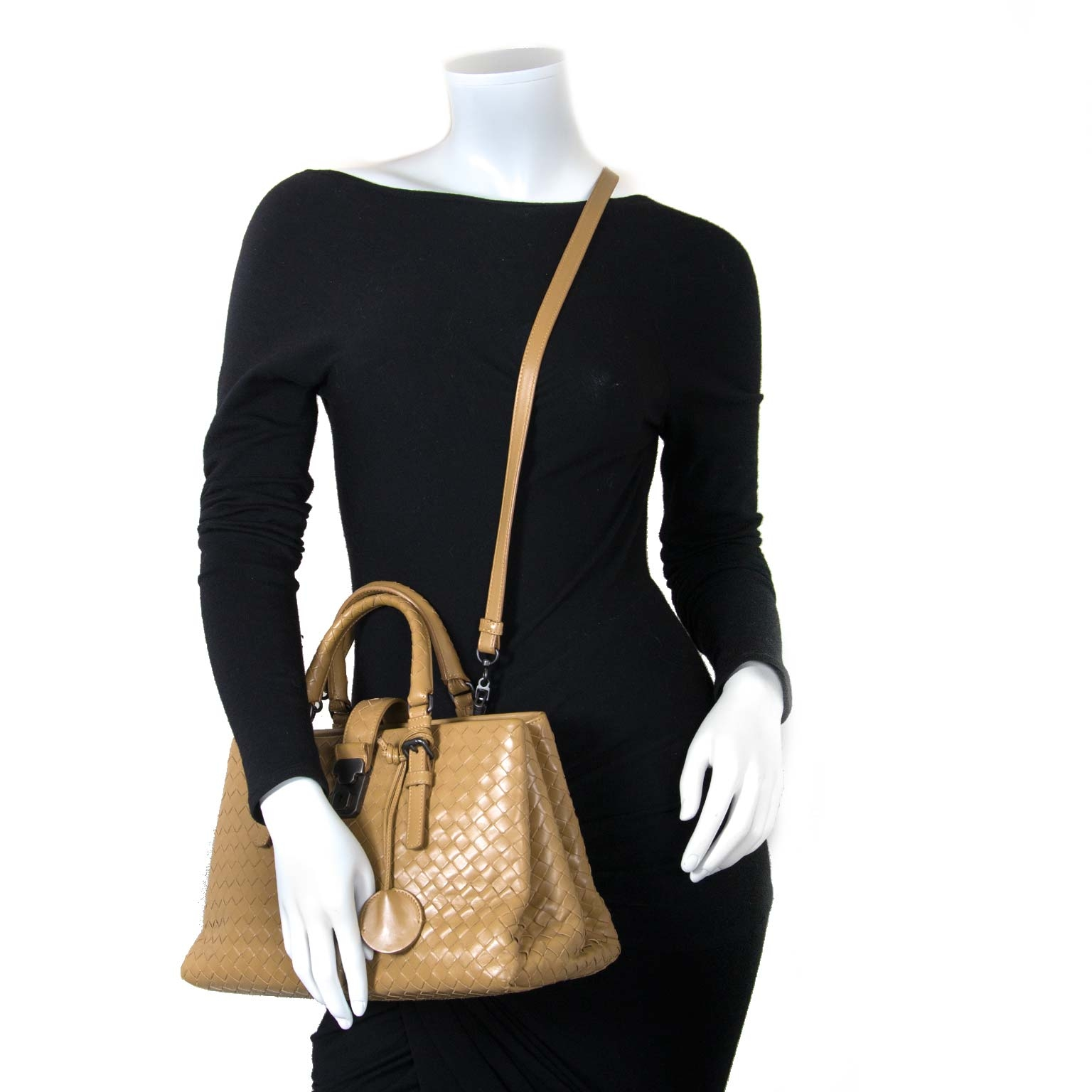 Bottega Veneta Intrecciato Calf Small Roma Bag now for sale at labellov vintage fashion webshop belgium