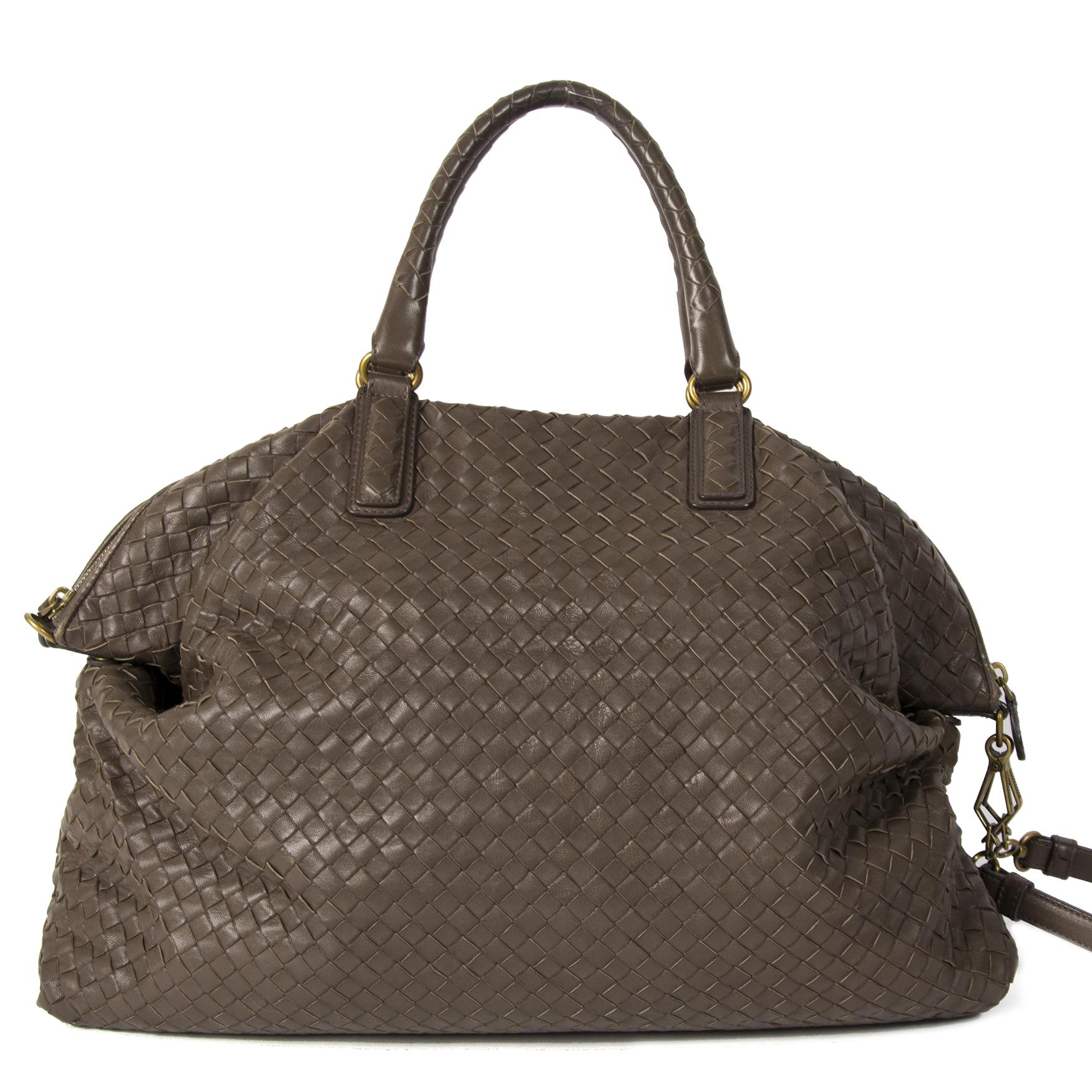 Authentieke tweedehands Bottege Veneta Bruin Intrecciato schoudertas juiste prijs veilig online winkelen LabelLOV webshop luxe merken winkelen Antwerpen België mode fashion