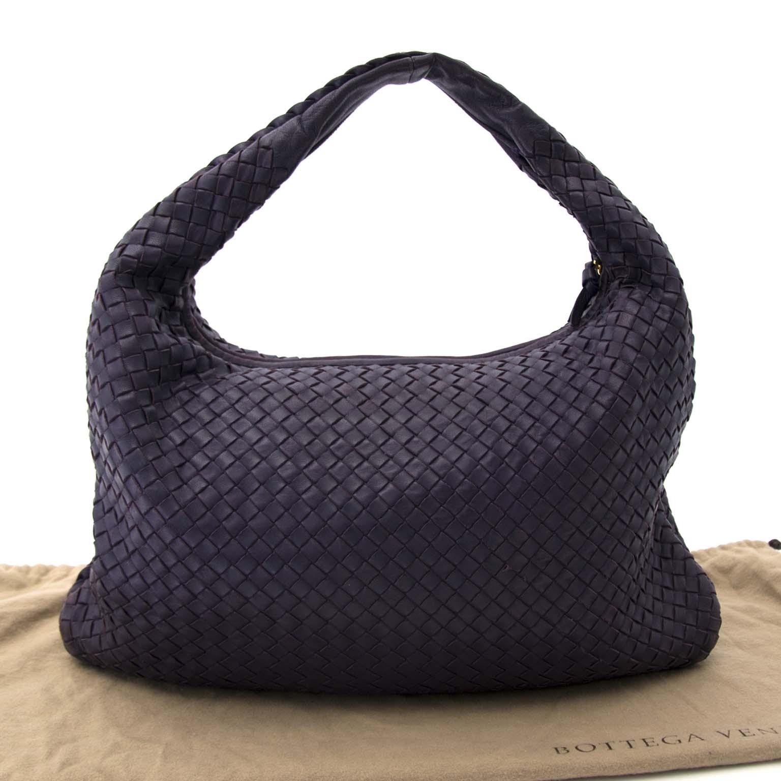 Bent u op zoek naar een authentieke Bottega Veneta Large Intrecciato Purple Leather Hobo Bag