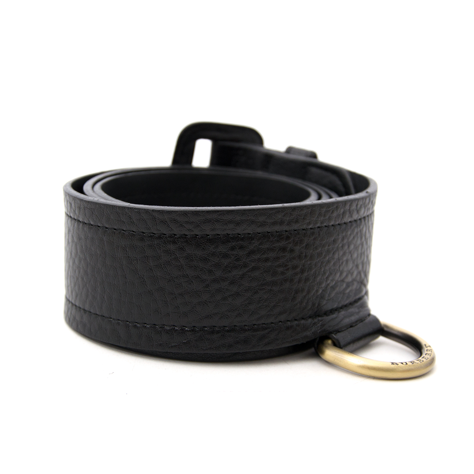 We buy and sell your timeless luxury accessories such as Burberry Black Leather Belt
