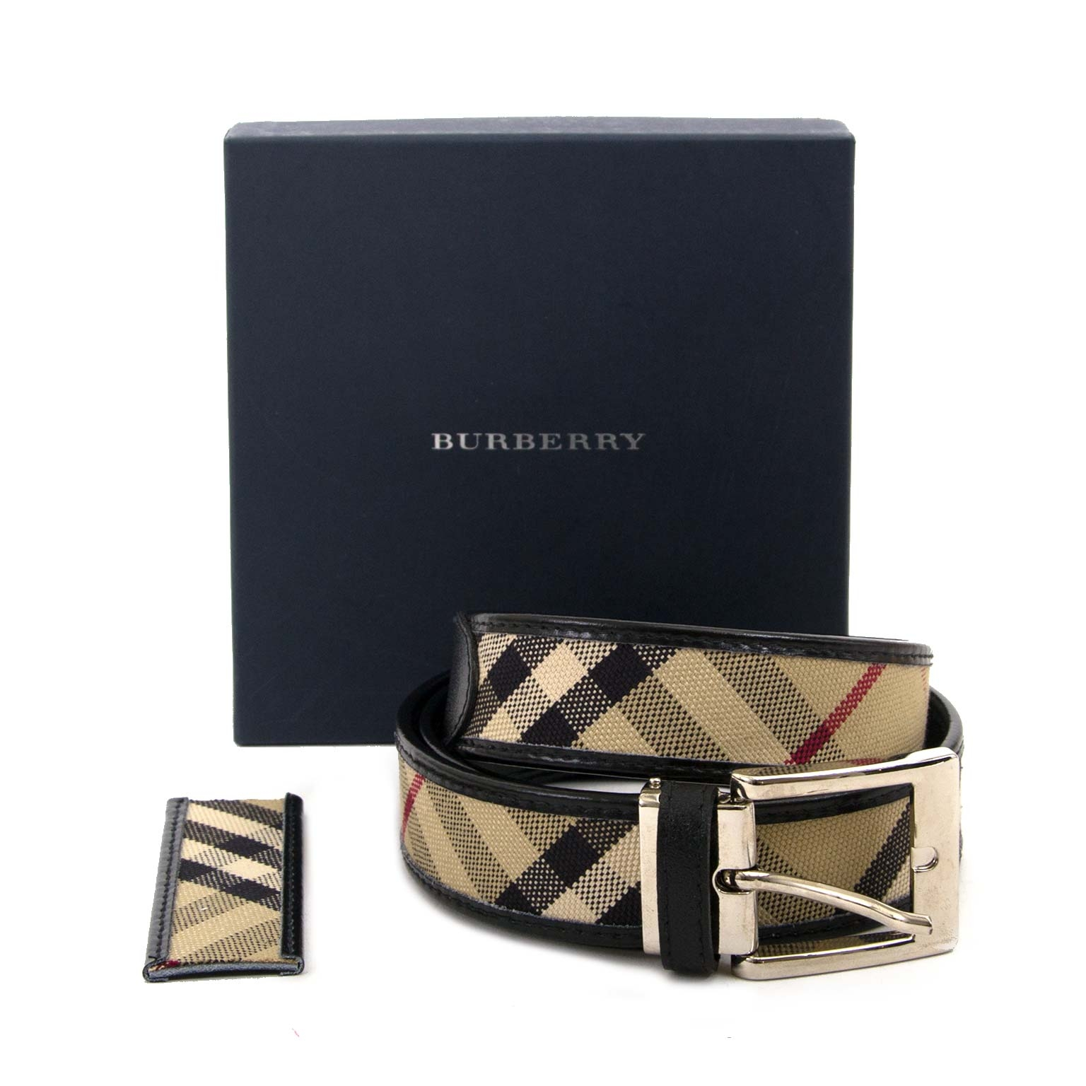 burberry beige nova check and black leather belt now for sale at labellov vintage fashion webshop belgium