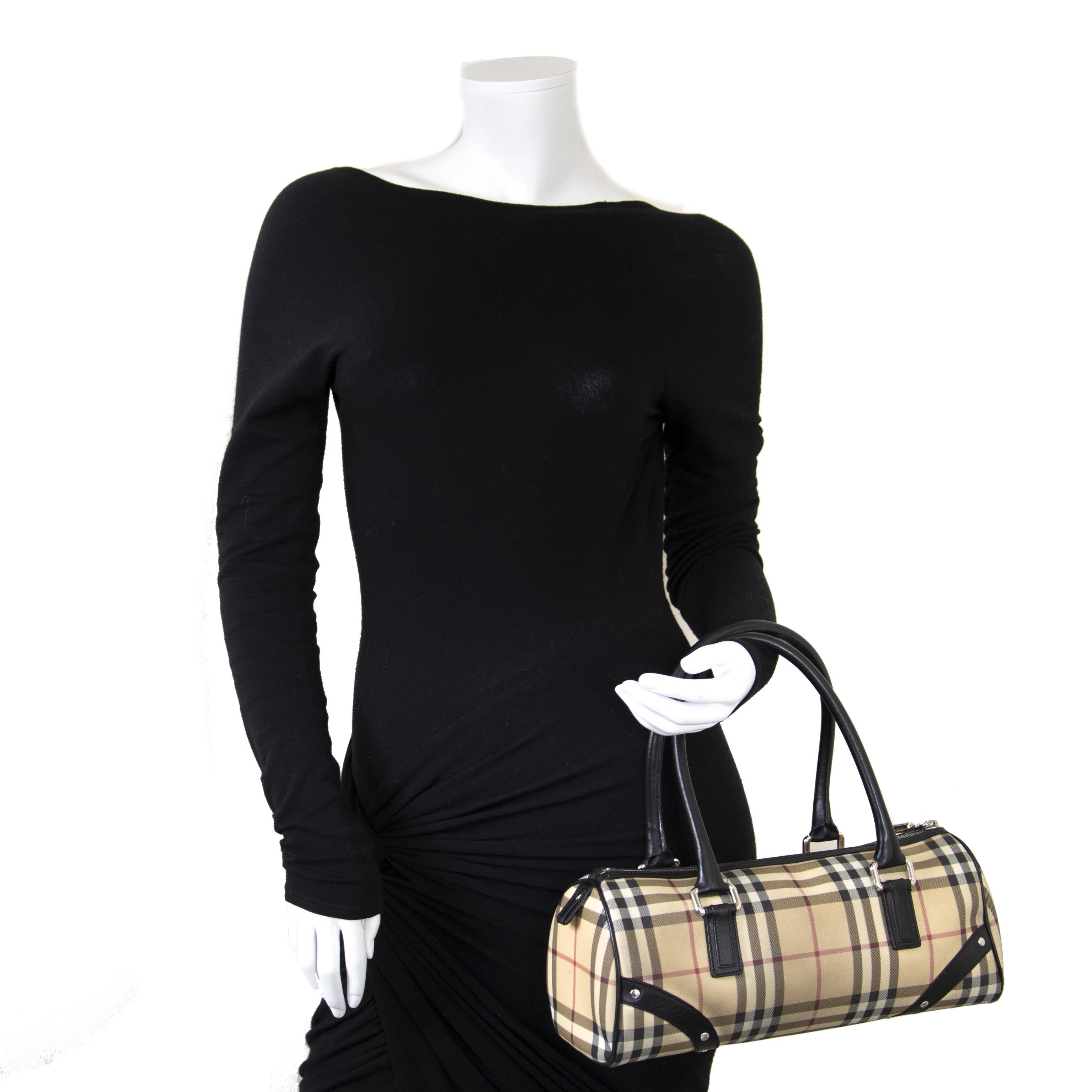 Koop en verkoop uw authentieke Burberry Check Cylinder Bag aan de beste prijs