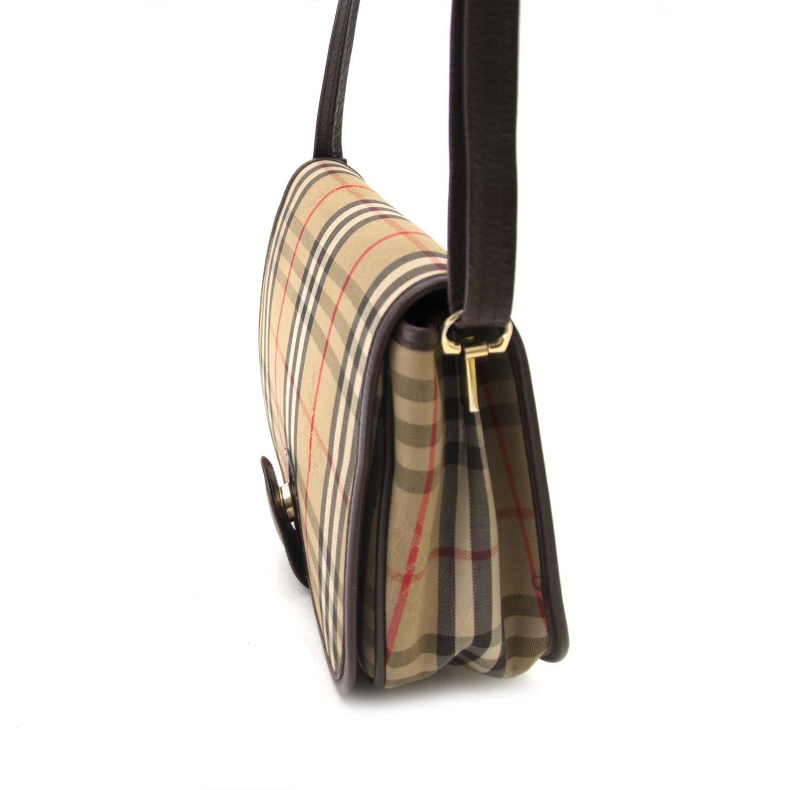 acheter en ligne pour le meilleur prix Burberry Monogram Fabric Crossbody Bag