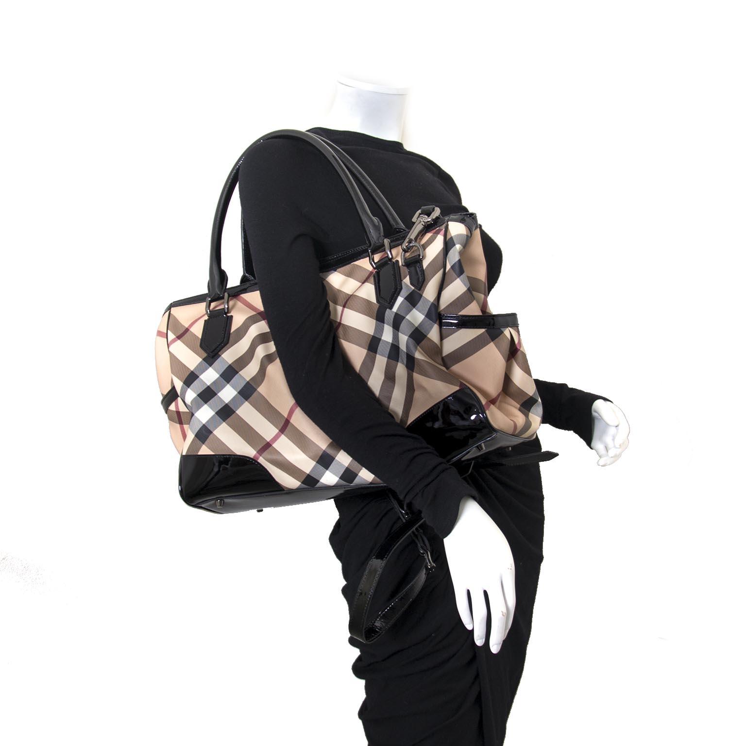shop safe and secure online at labellov.com Burberry Nova Check Shoulder Bag