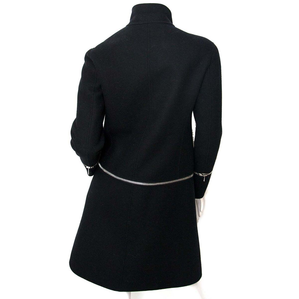 Koop authentieke tweedehands Céline zwarte Zipper jas aan een eerlijke prijs bij LabelLOV. Veilig online shoppen.