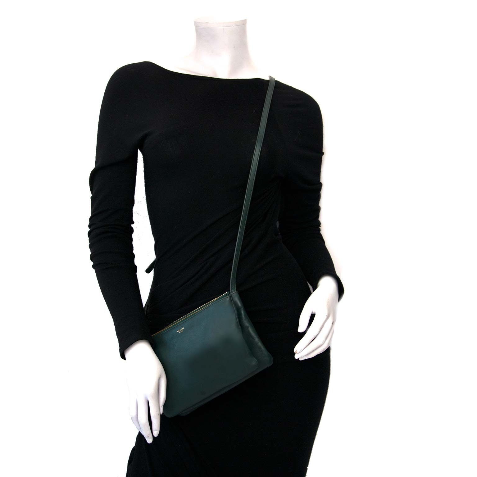 Céline Green Leather Trio Crossbody Bag  Buy authentic designer Celine secondhand bags at Labellov at the best price. Safe and secure shopping. Koop tweedehands authentieke Celine tassen bij designer webwinkel labellov.