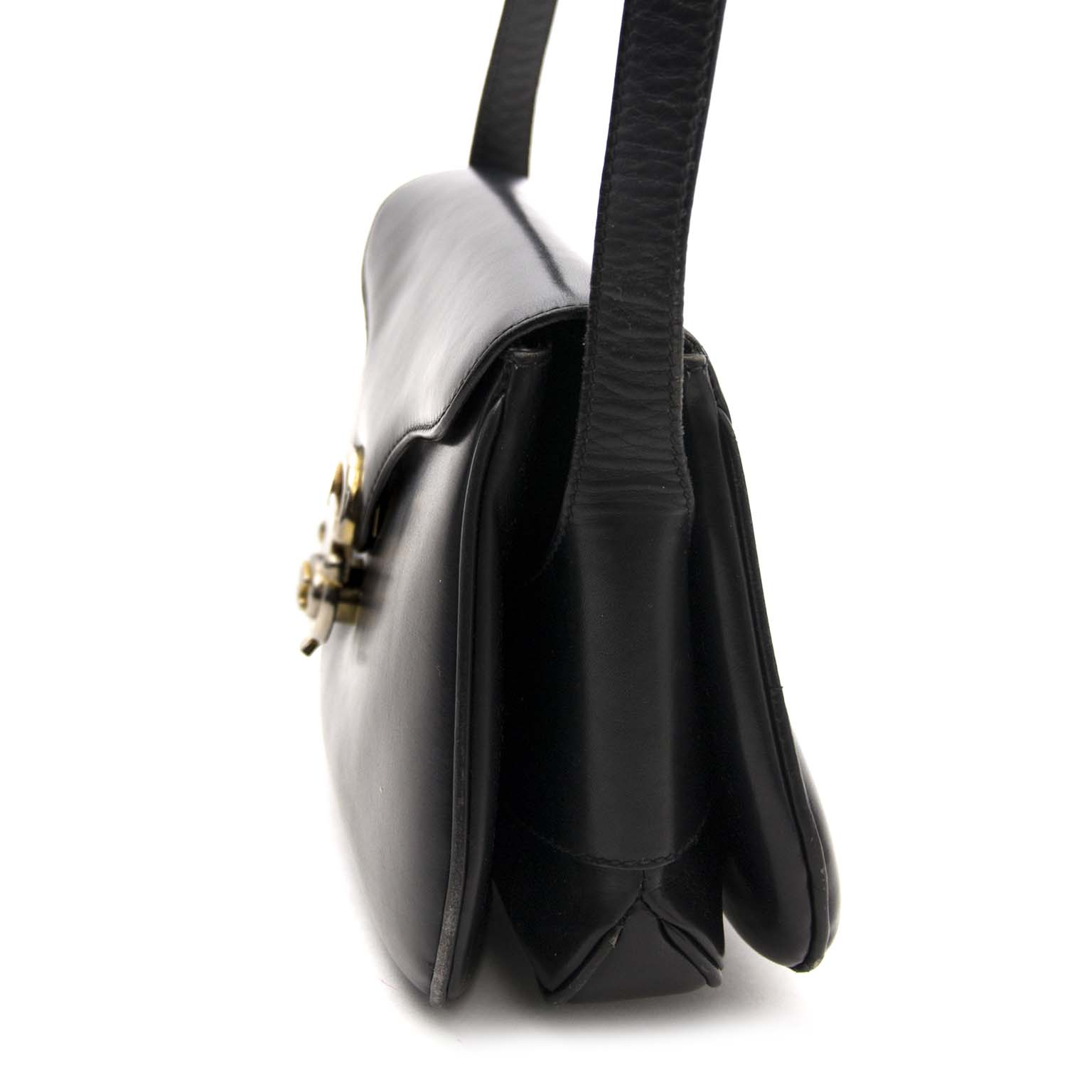buy safe and secure online at labellov.com for the best price celine black leather box bag