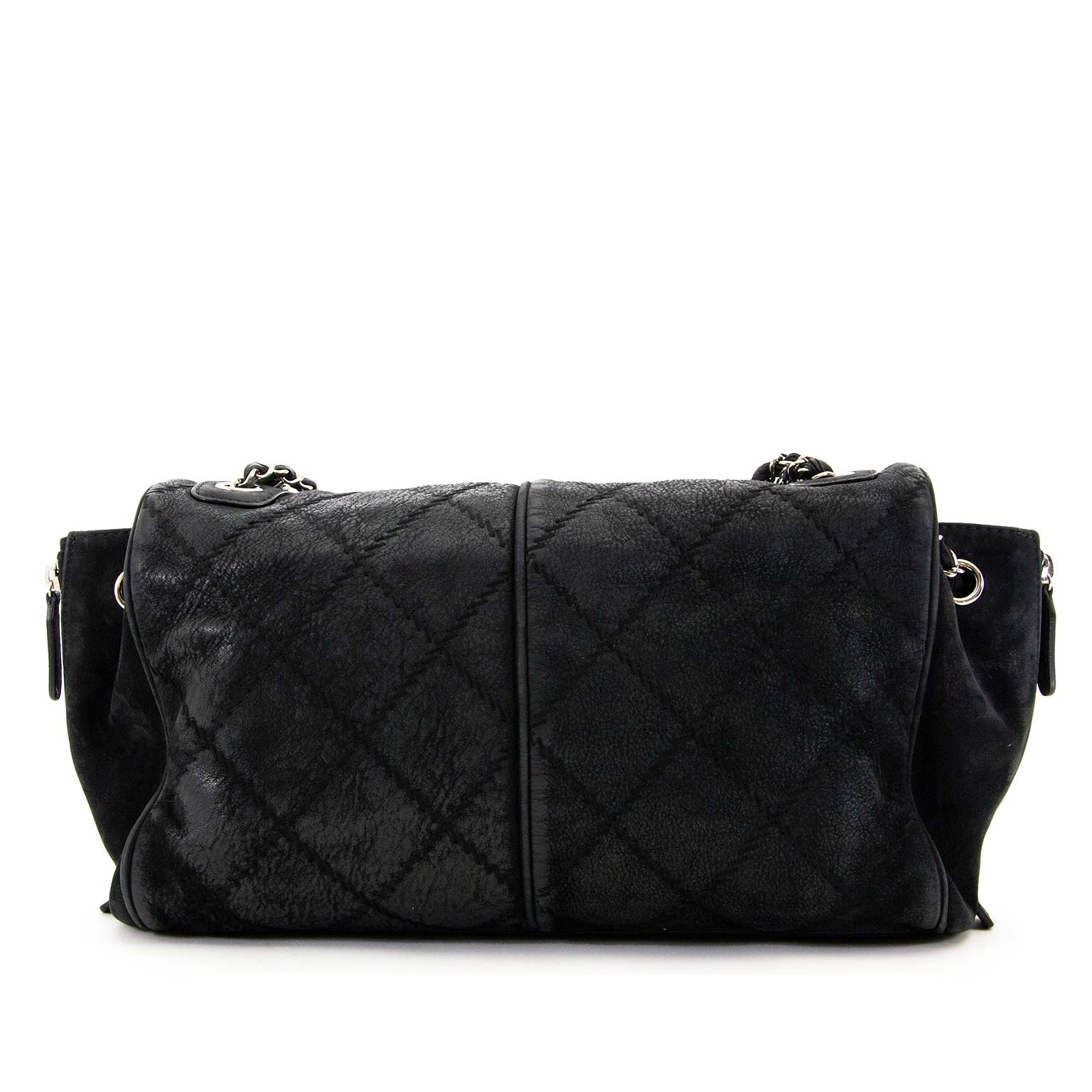 achetez Chanel Black Quilted Leather Ultimate Stitch Flap Bag chez labellov pour le meilleur prix