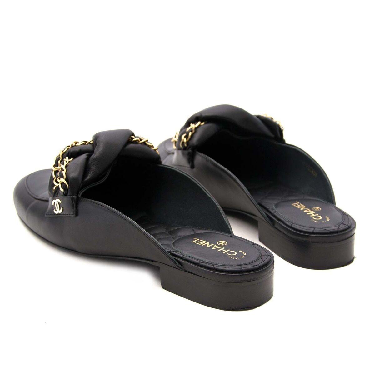 Koop authentieke tweedehands Chanel loafers aan een eerlijke prijs bij LabelLOV. Veilig online shoppen.