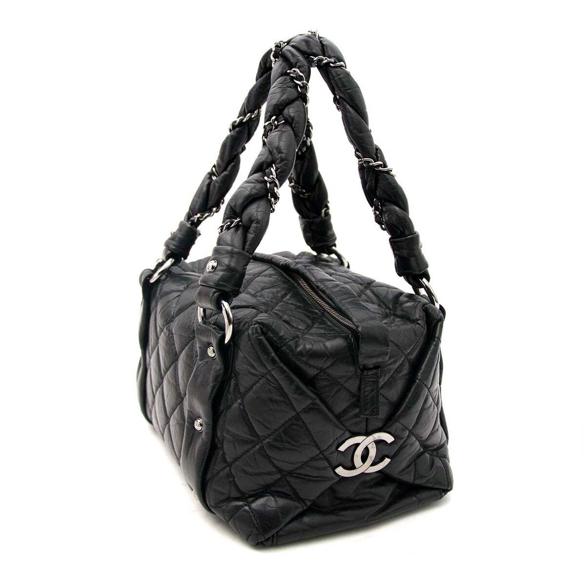 Koop authentieke tweedehands Chanel handtassen aan een eerlijke prijs bij LabelLOV. Veilig online shoppen.