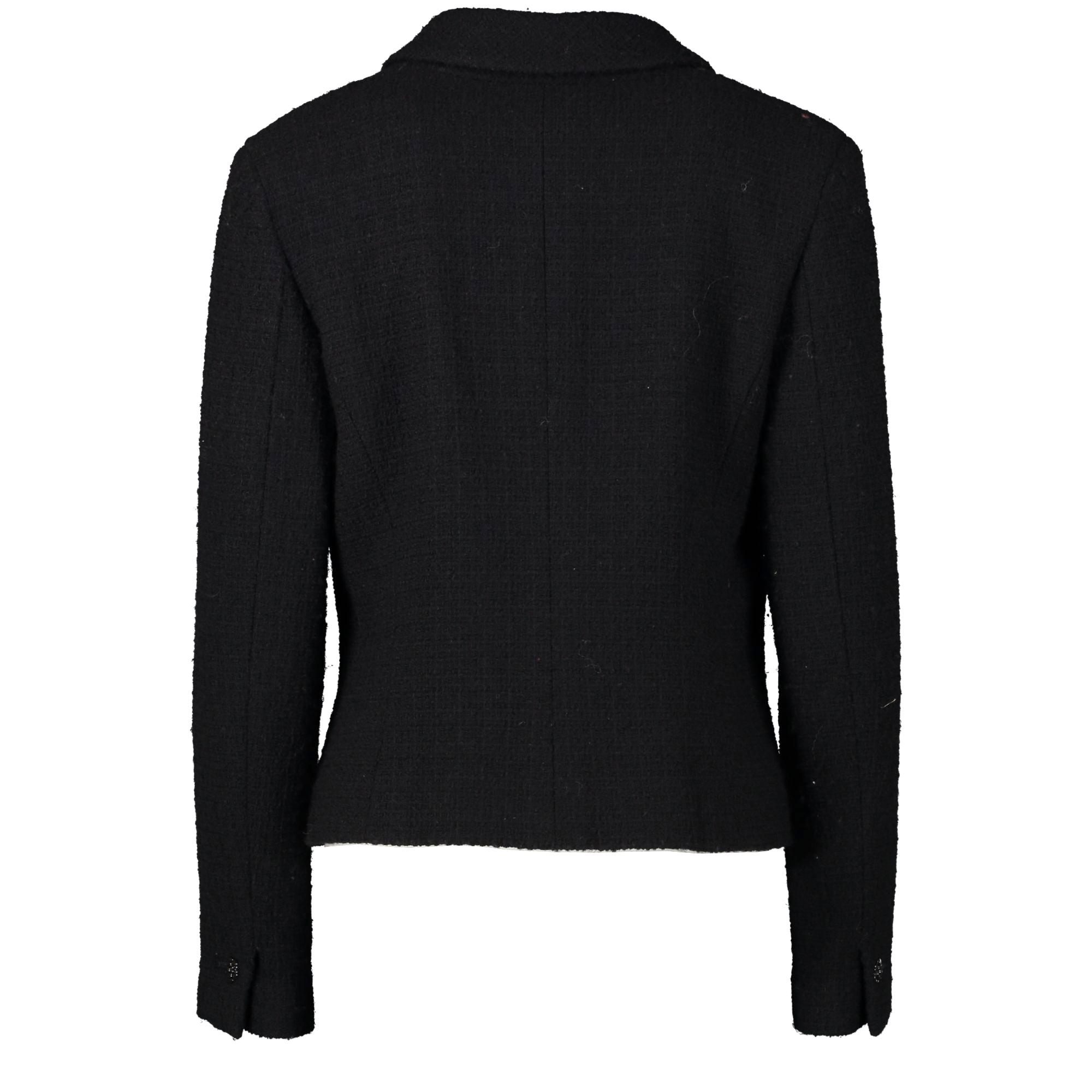 Chanel Black Classic Tweed Jacket te koop bij Labellov tweedehands luxe in Antwerpen