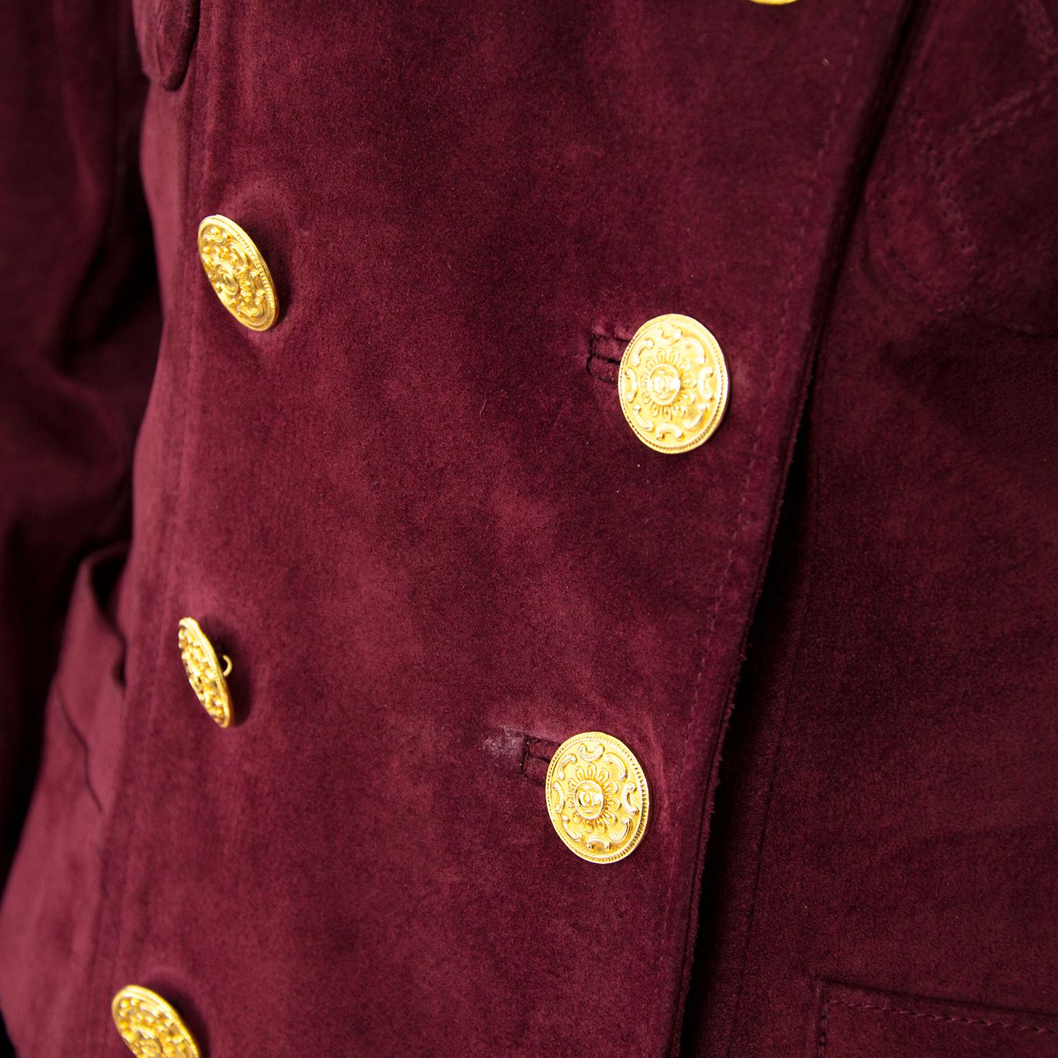 Chanel Bordeaux Nubuck Ensemble nu online op labellov.com tegen de beste prijs.