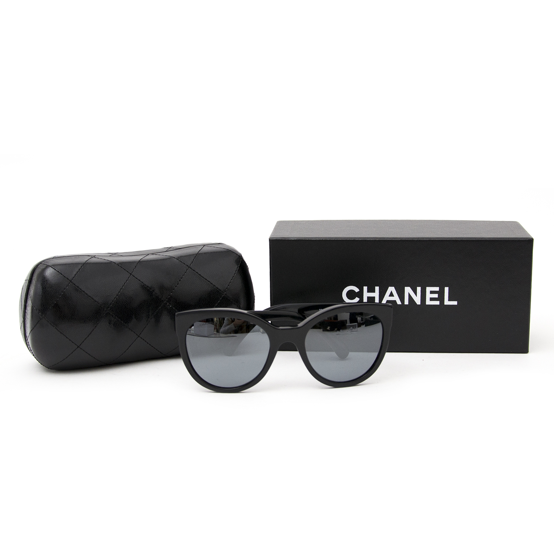 acheter en ligne seconde main sac a main Chanel Pantos Signature Sunglasses